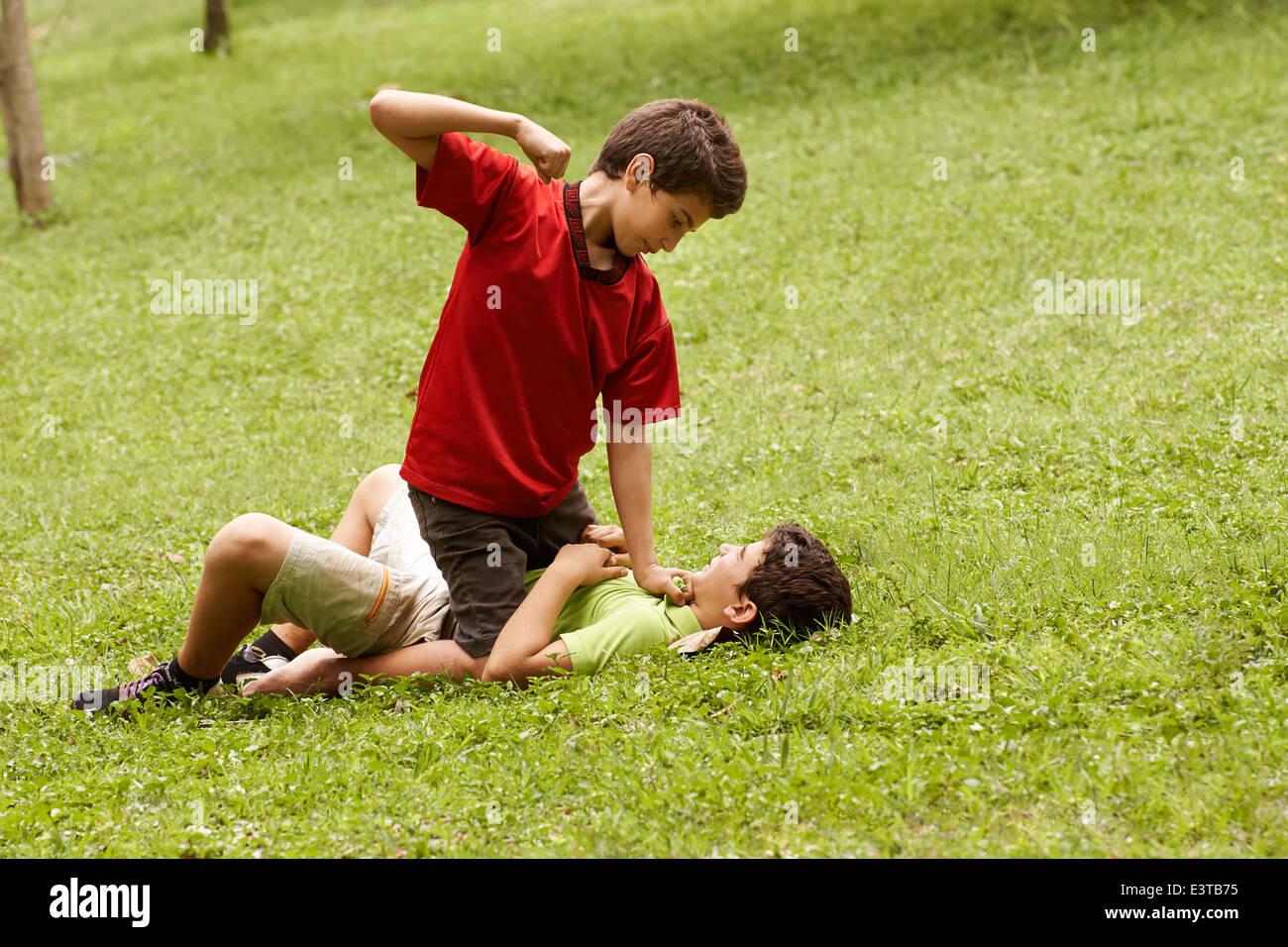 Little Kids Fist Fighting