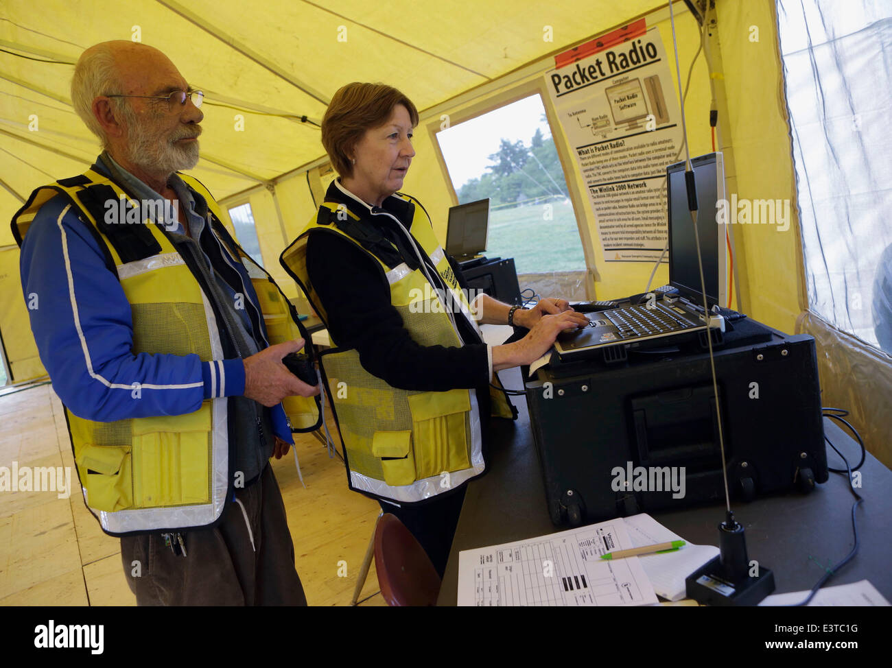 Vancouver, Canada. 28th June, 2014. Amateur radio operators transmit E-mails and digital signal via radio frequency Stock Photo