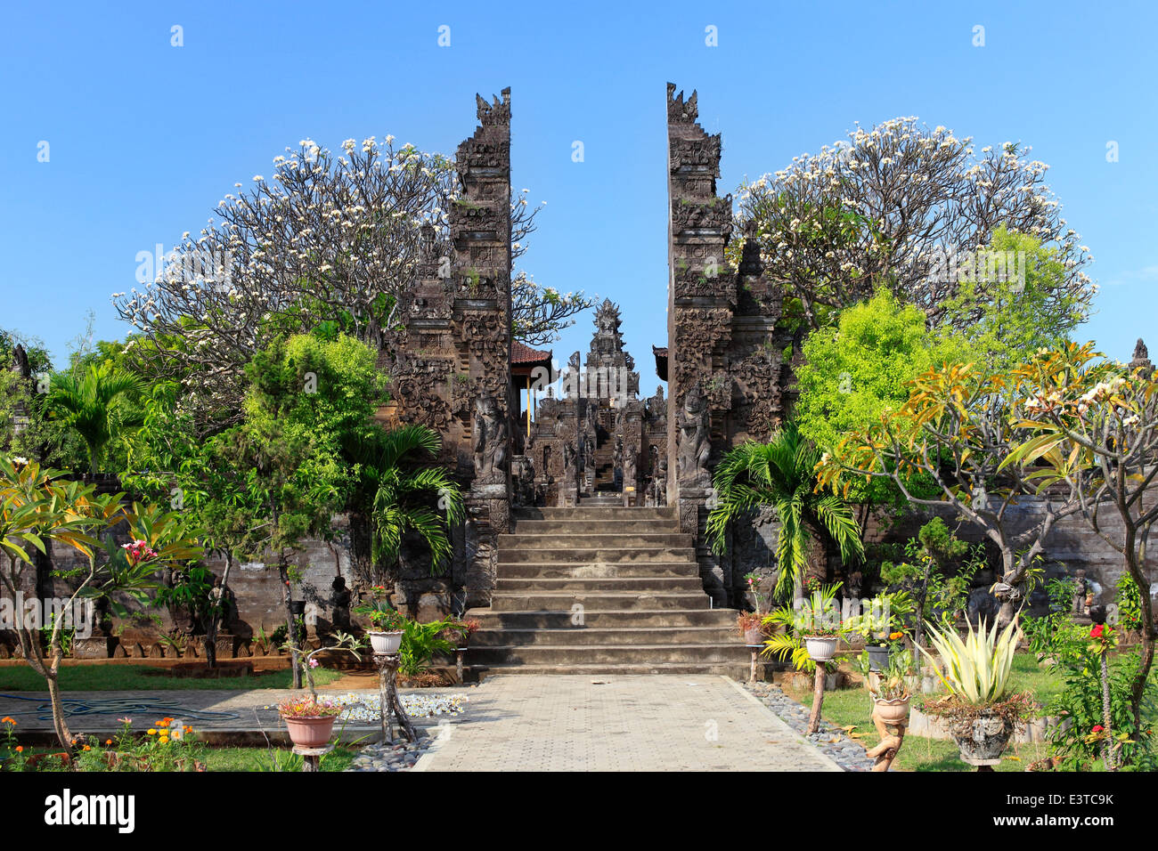 Pura Maduwe Karang, a temple in north east Bali at Kubutambahan, is dedicated to the gods of the earth and crops. - Stock Image