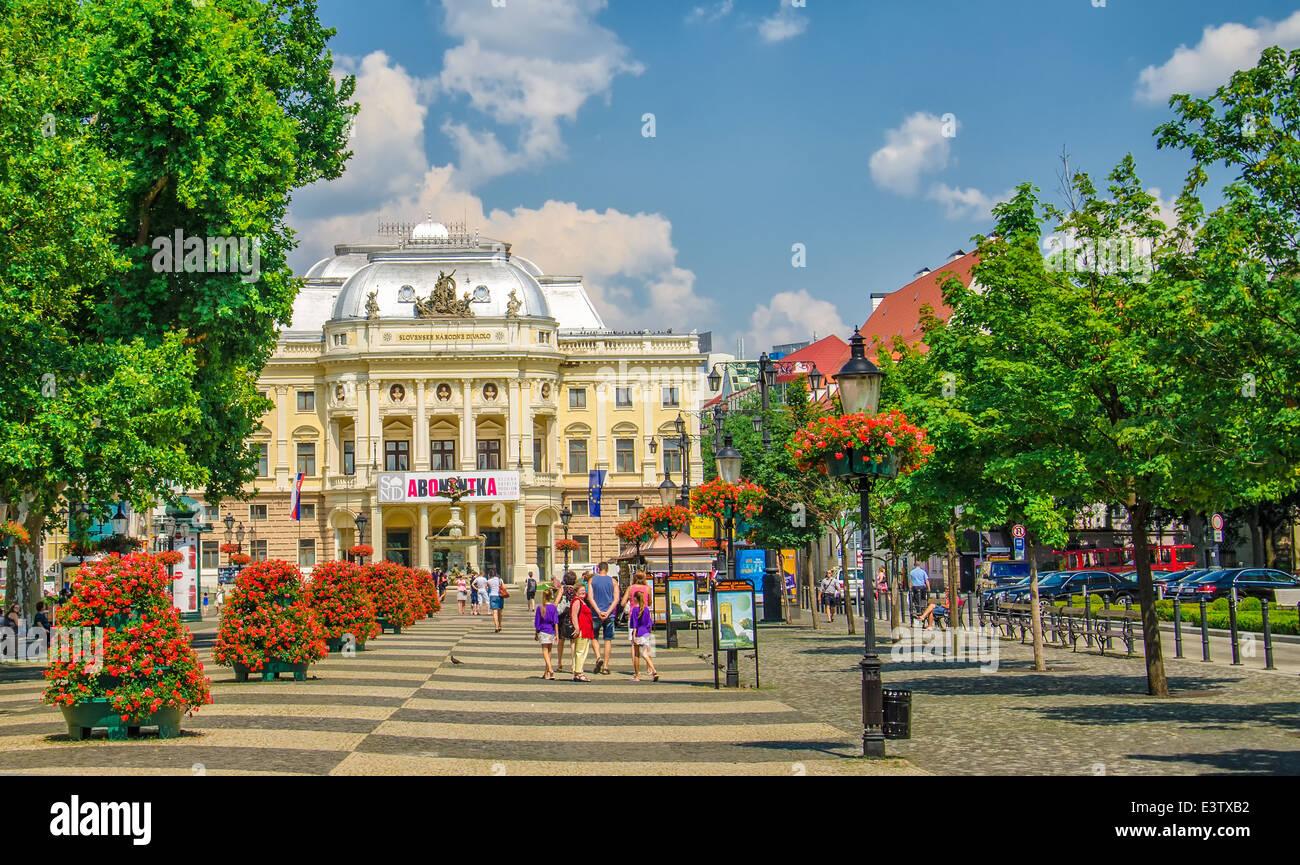 Neo-renaissance building of Slovak National Theater and Hviezdoslavovo square in Bratislava, Slovakia - Stock Image
