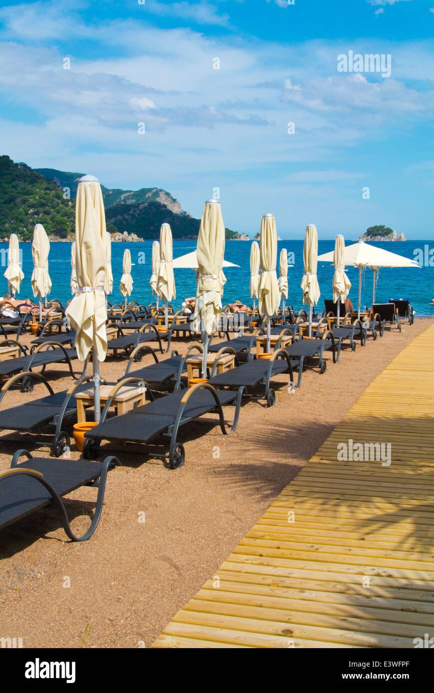 Sun loungers, beach, Icmeler resort, near Marmaris, Mugla province, Turkey, Asia Minor - Stock Image