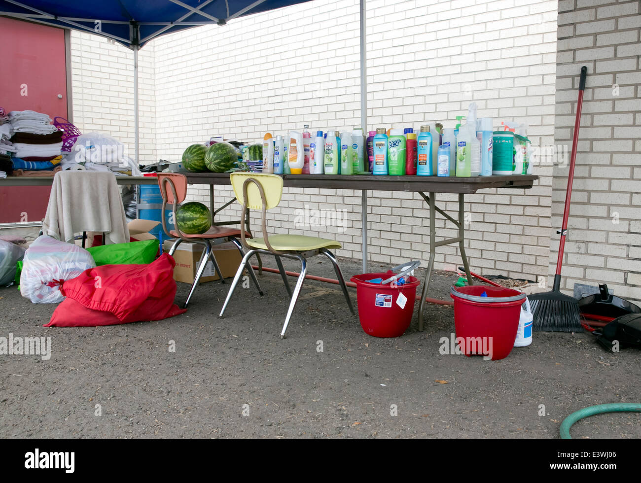 food, clothes donated to shelter in McAllen, Texas - Stock Image