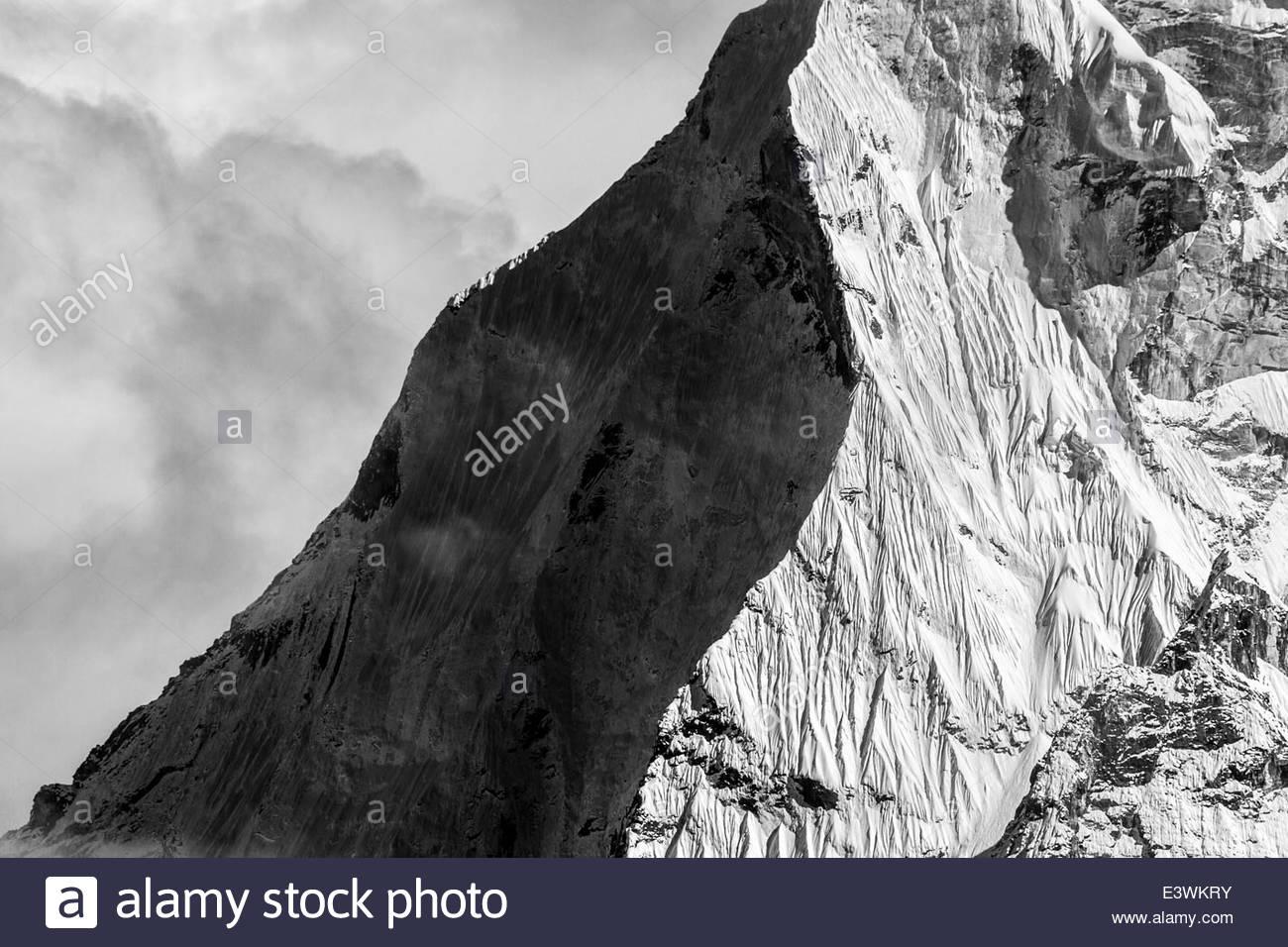 Black & white image of razor edge Himalayan Peak, Nepal - Stock Image
