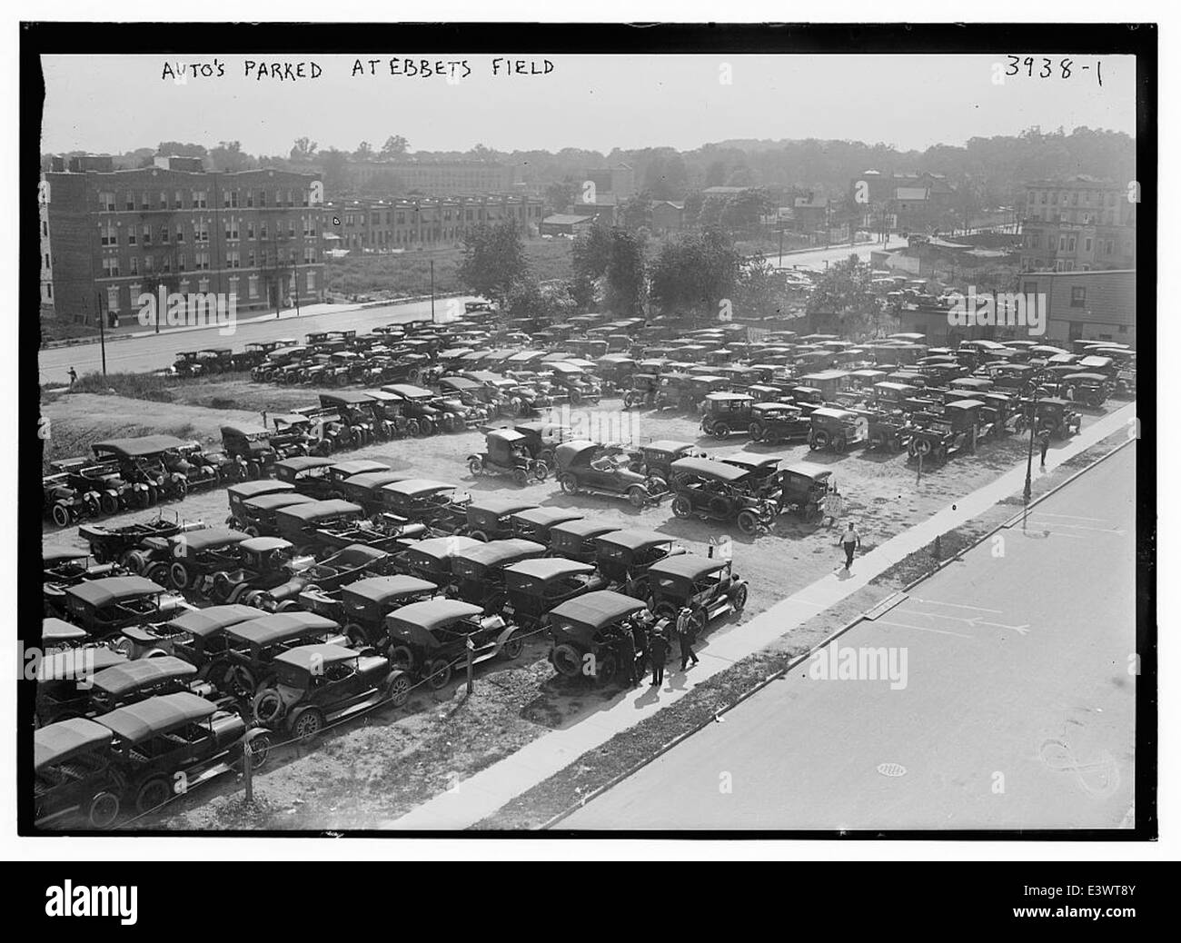 Auto's parked at Ebbets Field (LOC) - Stock Image