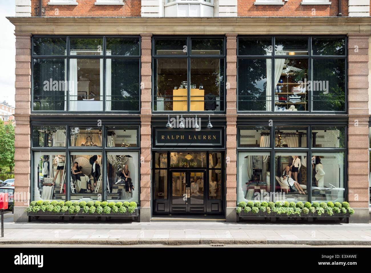 Ralph Lauren shop on Fulham Road, Chelsea, London, England, UK - Stock Image