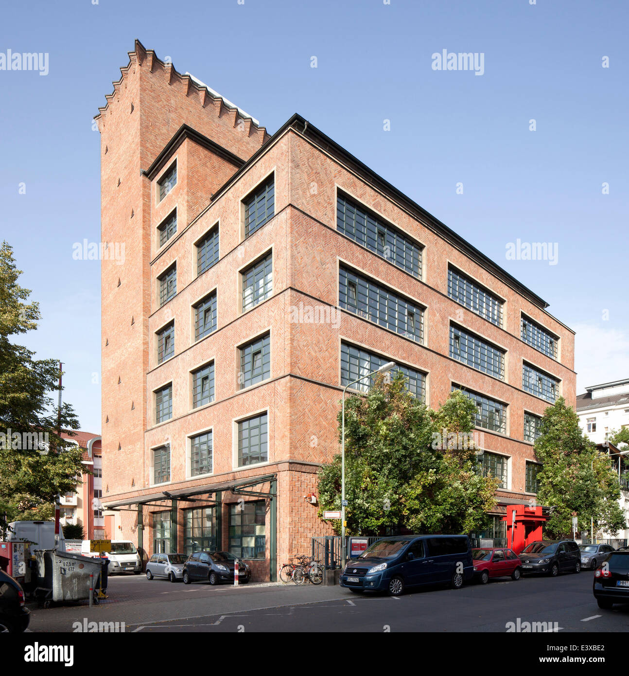 Künstlerhaus Mousonturm, former soap and perfume factory, first high-rise building in Frankfurt in 1928, Ostend - Stock Image