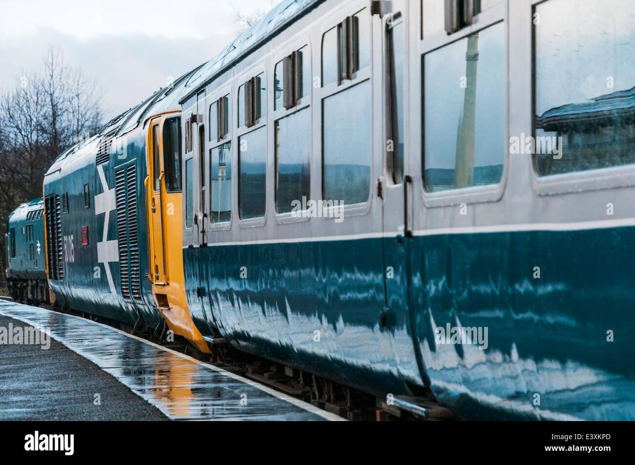Class 50 loco 50015 Valiant waits to leave a rainy Rawtenstall station on the East Lancs Railway Stock Photo