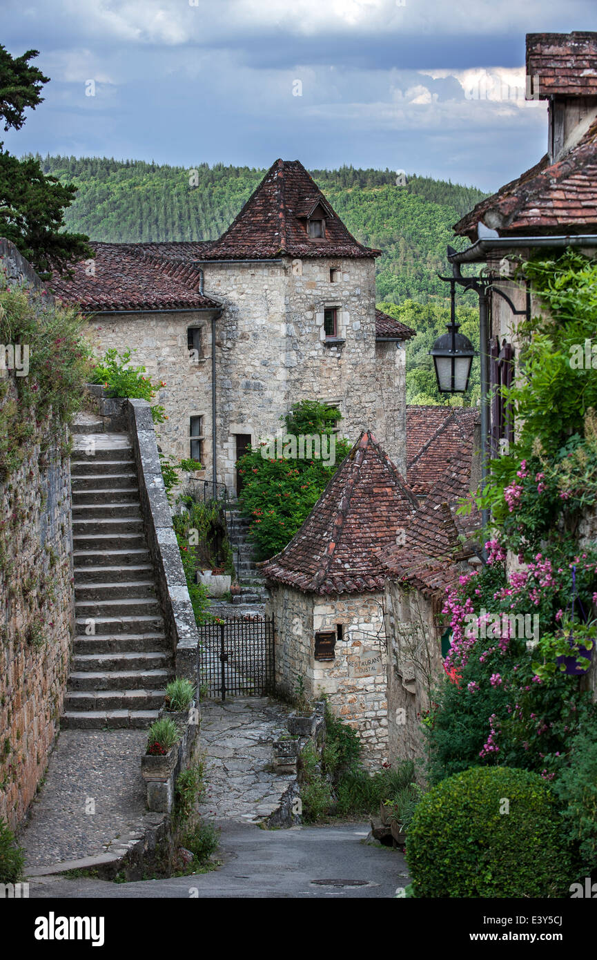 Picturesque alley with medieval houses in the village Saint-Cirq-Lapopie, Lot, Quercy, Midi-Pyrénées, - Stock Image