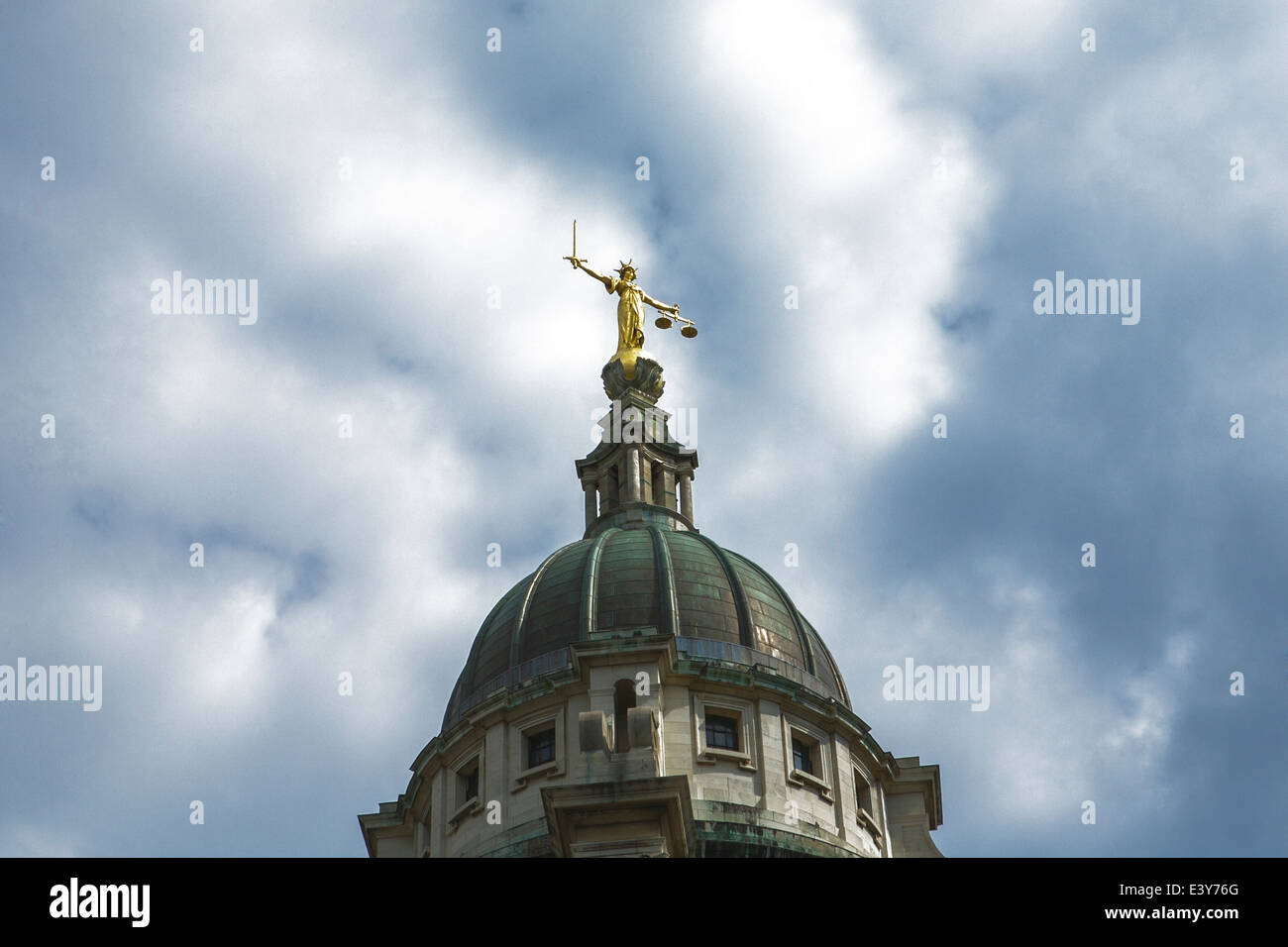 Justice statue and dome, The Old Bailey, Central Criminal Court, City of London, England, UK. - Stock Image