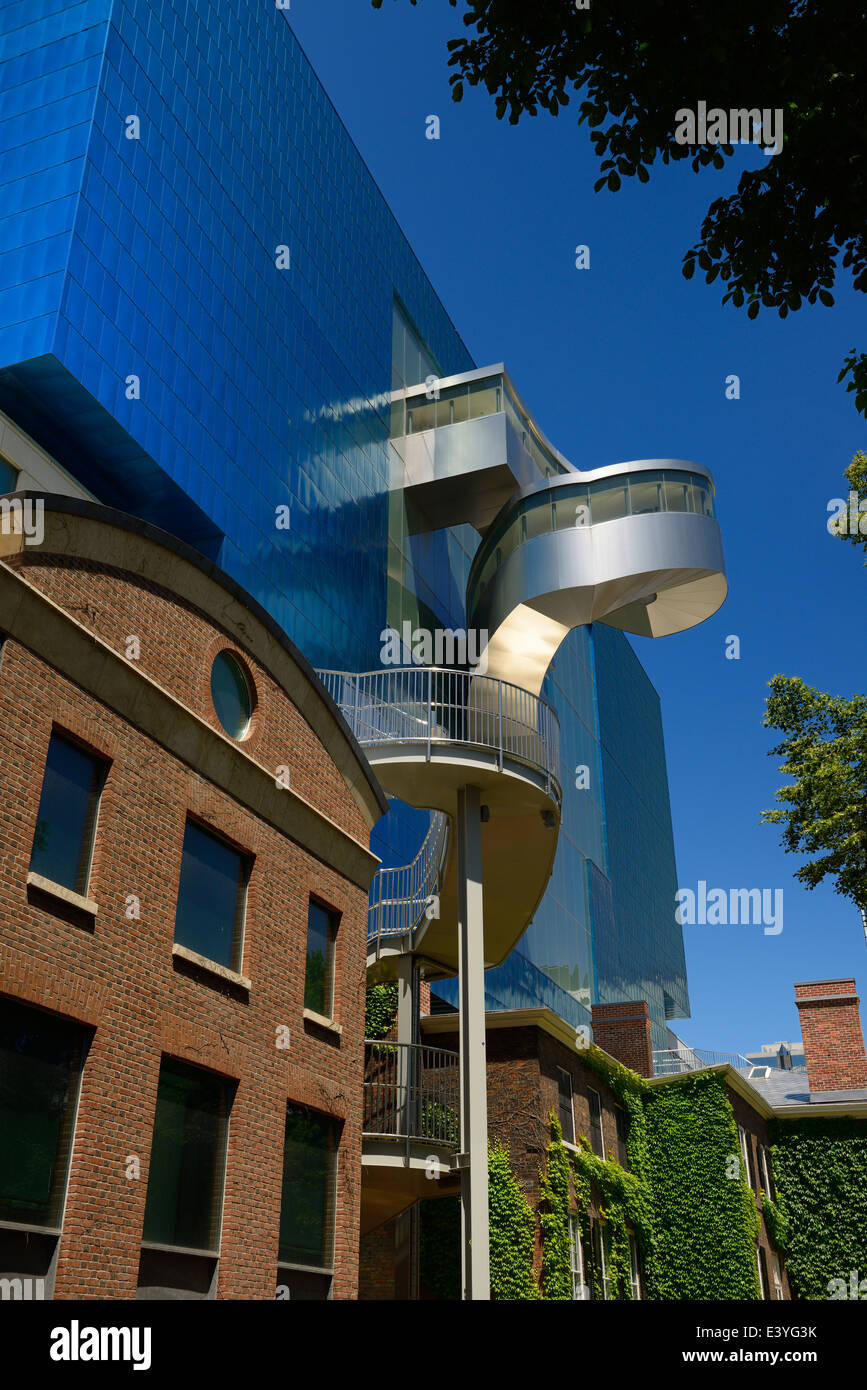 Art Gallery of Ontario AGO Blue titanium south wing with external stairways designed by Gehry over the Grange historic - Stock Image