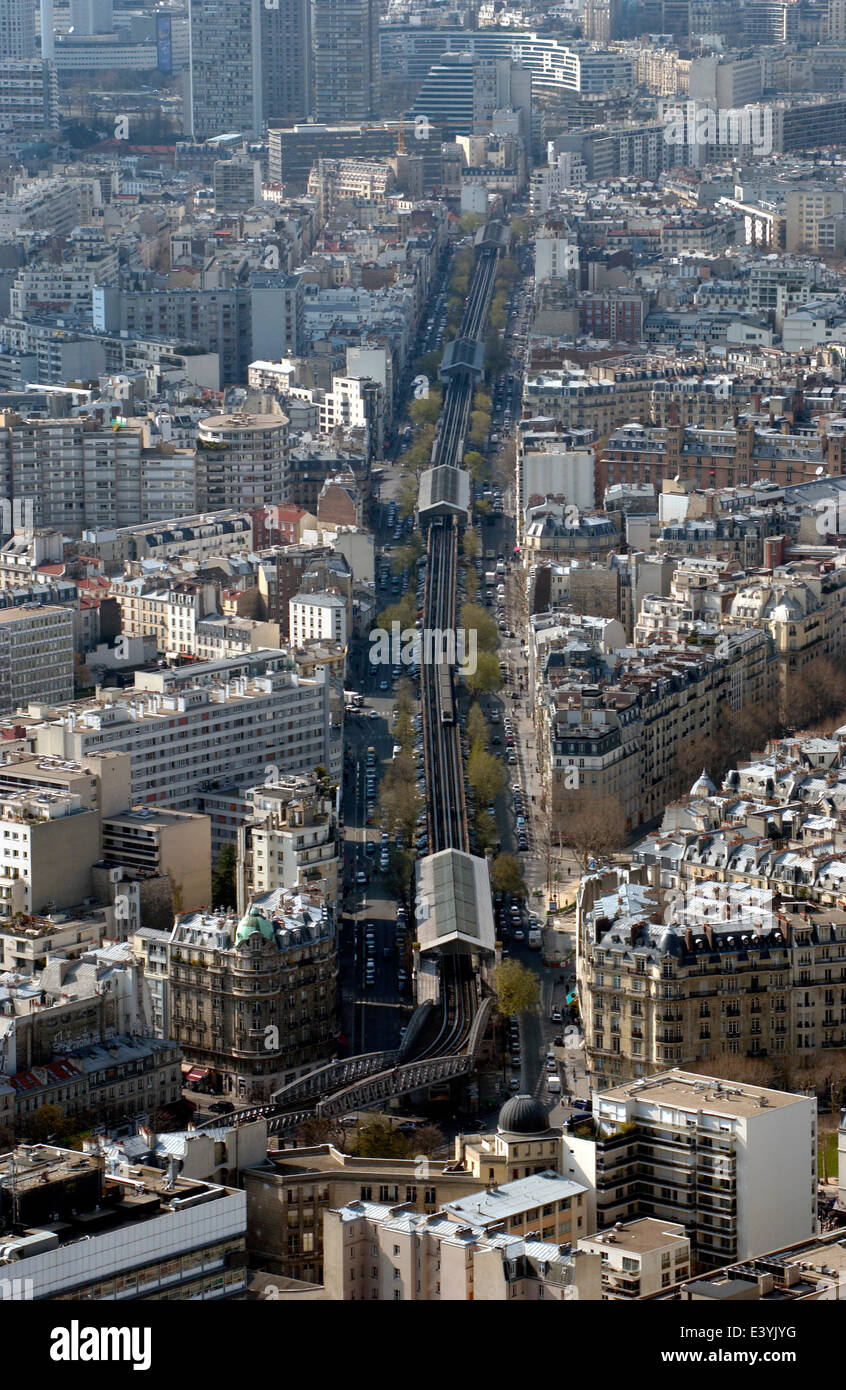 FRANCE, PARIS - METRO AERIEN. PHOTO:JONATHAN EASTLAND/AJAX REF:D1X60604_1020 - Stock Image