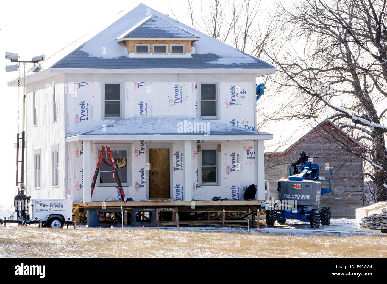 'Batman vs. Superman' set construction  Featuring: Atmosphere Where: Yorkville, Illinois, United States - Stock Image