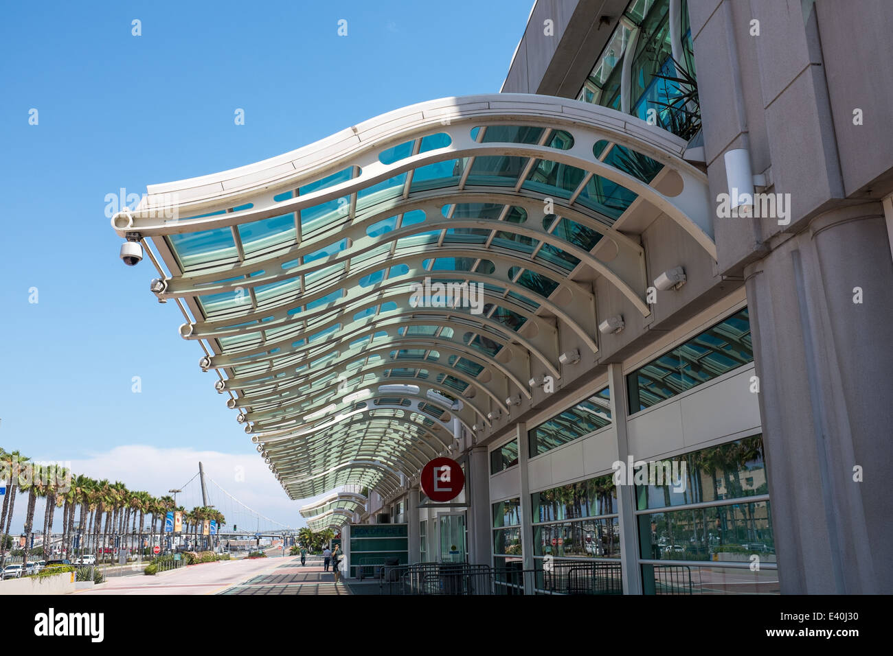Curved glass roof at entrance to San Diego Convention Center, California, USA - Stock Image