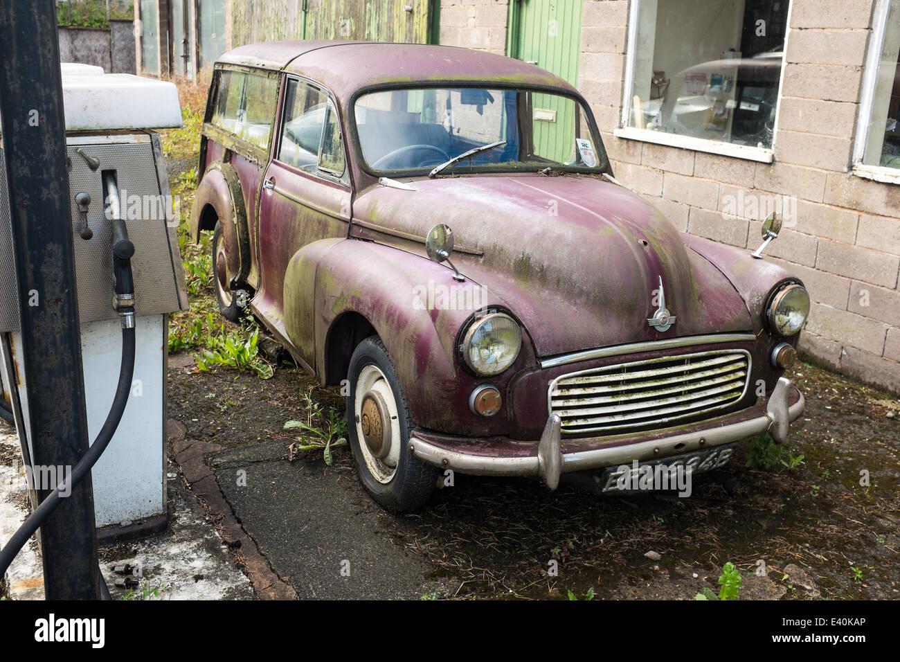 Old Morris Minor Traveller car - Stock Image