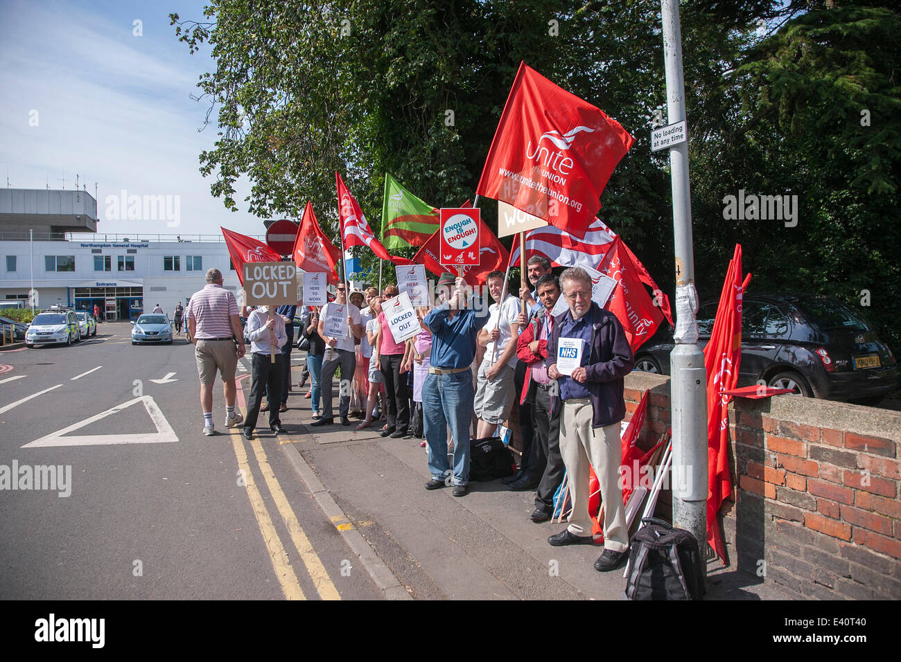 Northampton General Hospital, Northampton, UK. 2nd July 2014. Lockout of 78 Biomedical scientists day 6, described - Stock Image