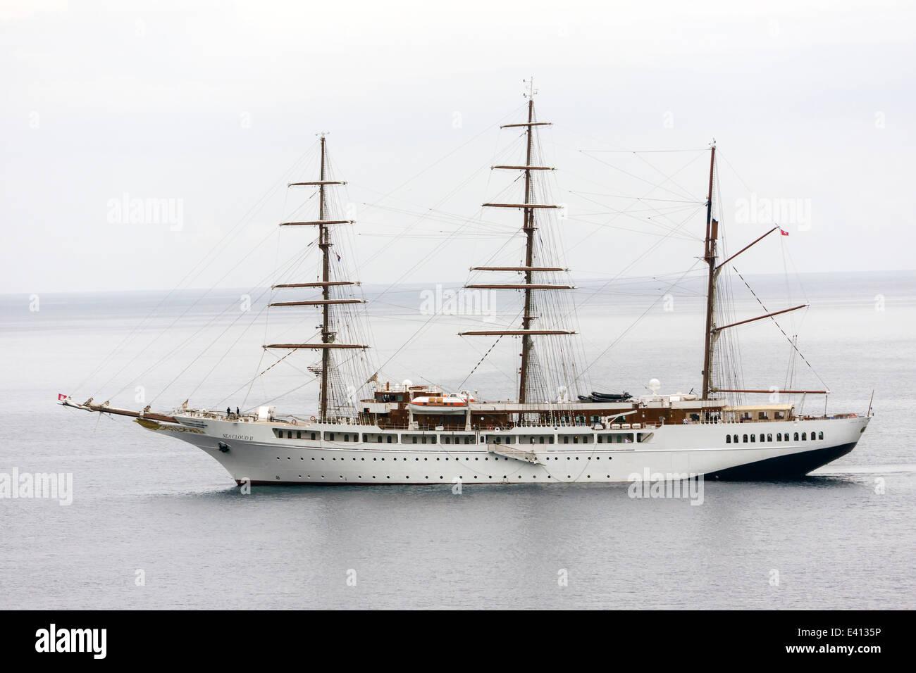 Croatia, Dubrovnik, view to luxus liner Sea Cloud II - Stock Image