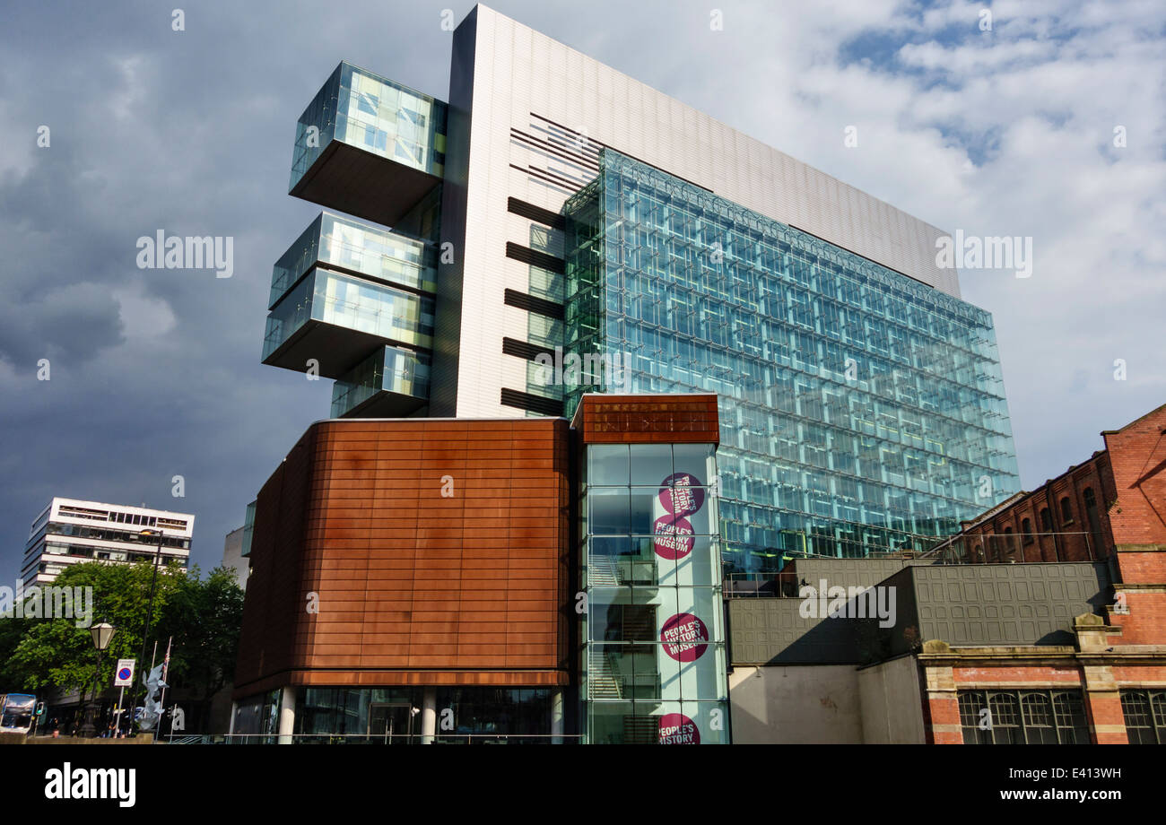 The Manchester Civil Justice Centre and the People's History Museum - Stock Image