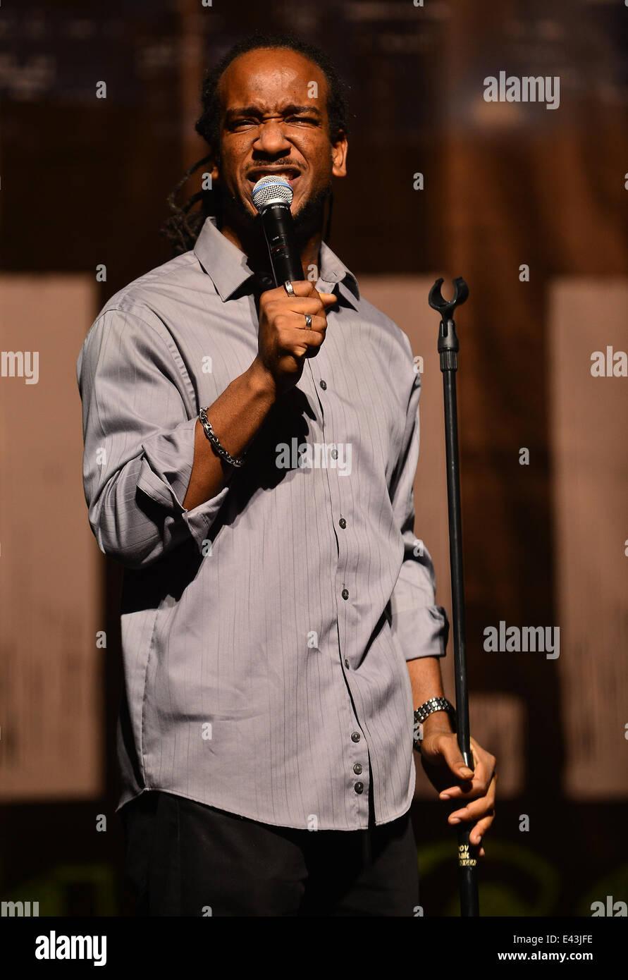 Katt Williams Growth Spurt comedy tour at the James L Knight Center  Featuring: Comedian Chello Where: Miami, Florida, - Stock Image