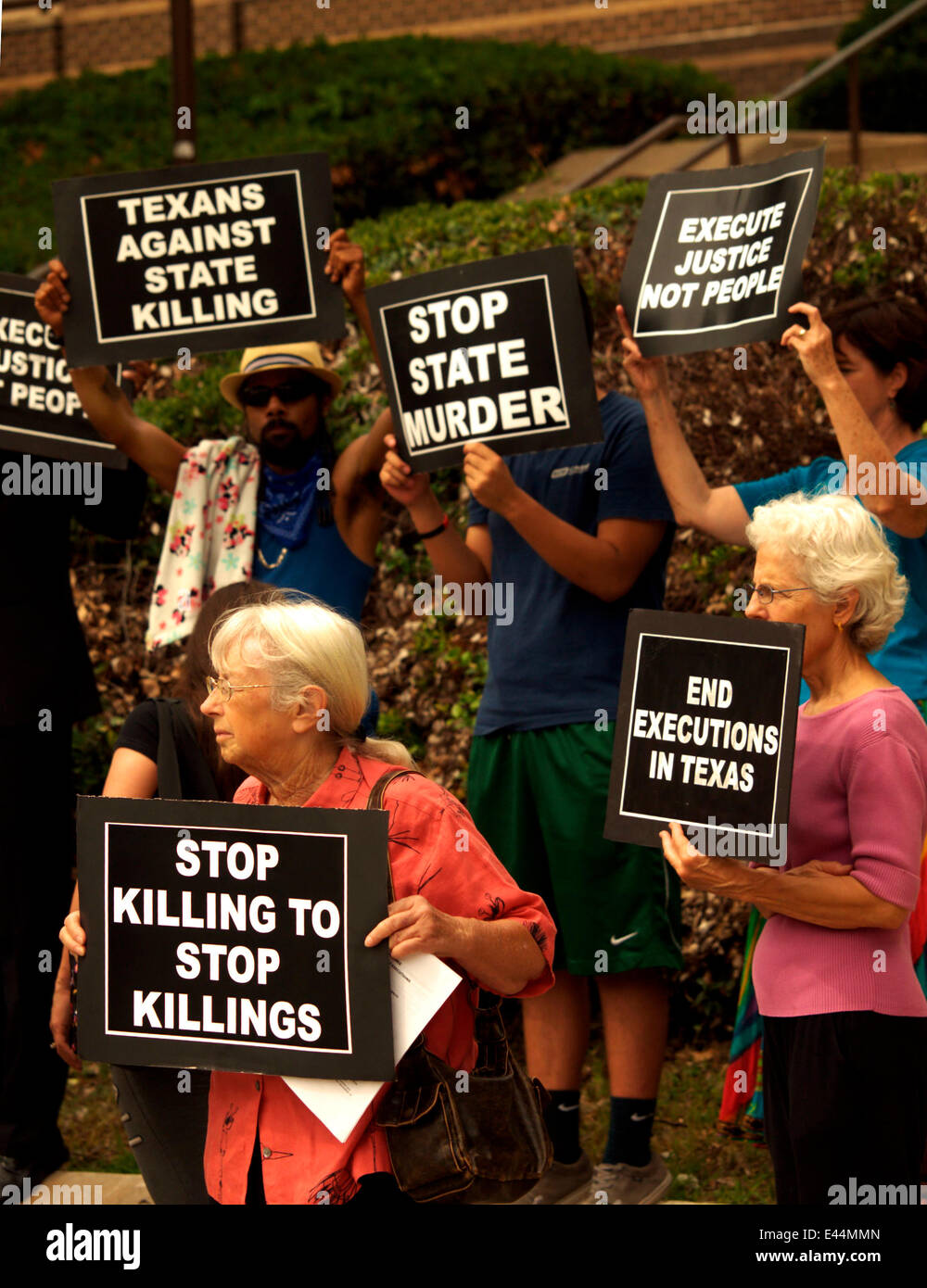 Dallas, Texas, US. 2nd July, 2014. Marking the anniversary of the lifting of the death penalty of the death penalty - Stock Image