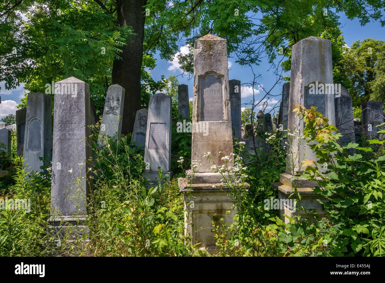 Headstones at Jewish Cemetery, Chernivtsi, Bukovina Region, Ukraine - Stock Image
