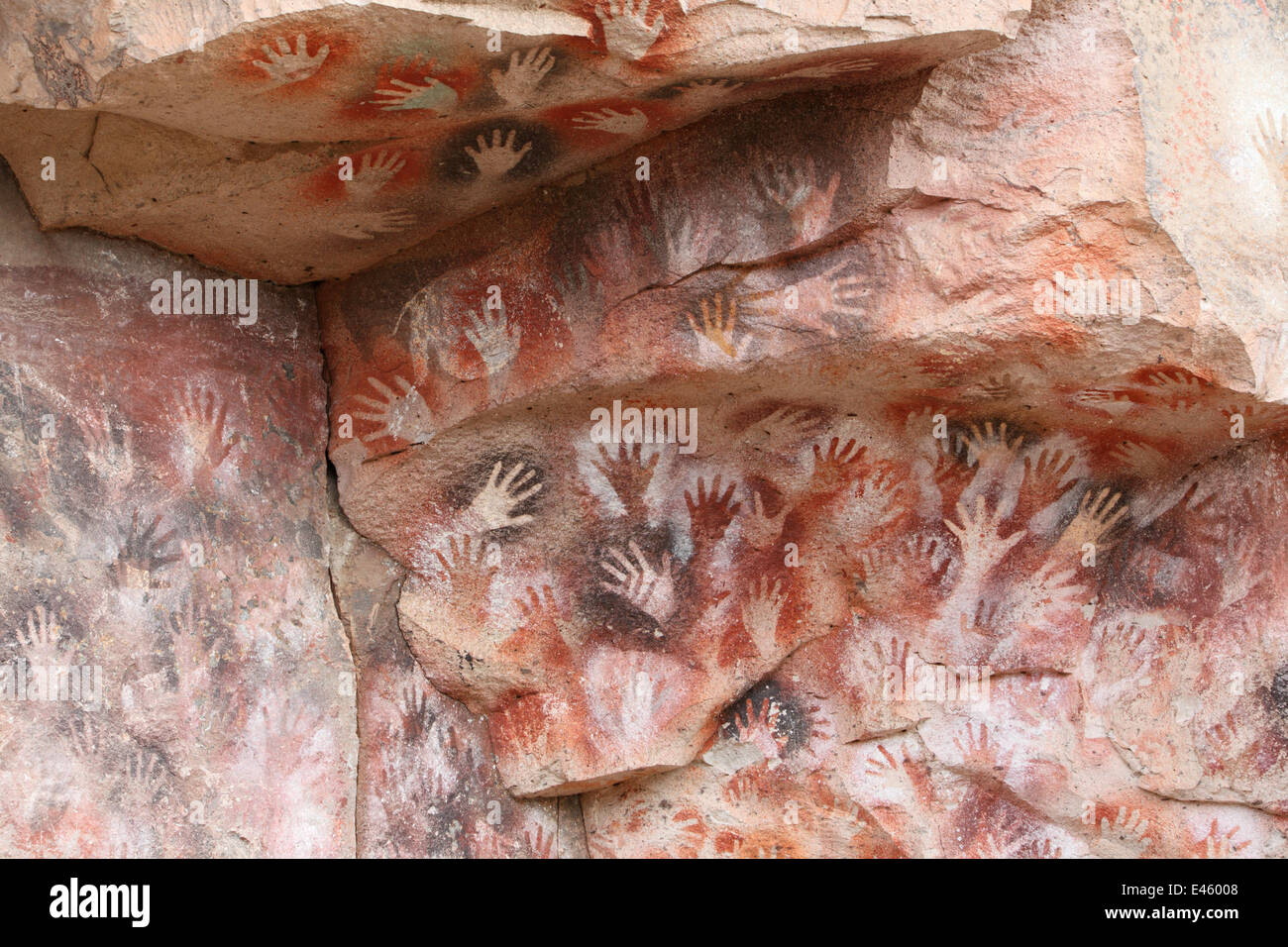 Cave hand paintings, dated to around 550 BC. Cueva de las Manos, Argentina, March 2010. - Stock Image