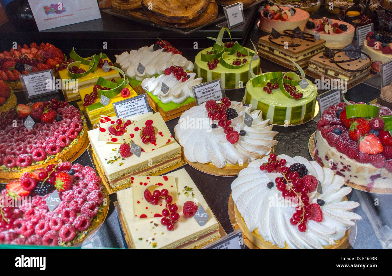 Paris, France, Shopping in the Marais Area, Stores, French Bakery Patisserie Shop, French Cakes, Window Display, - Stock Image