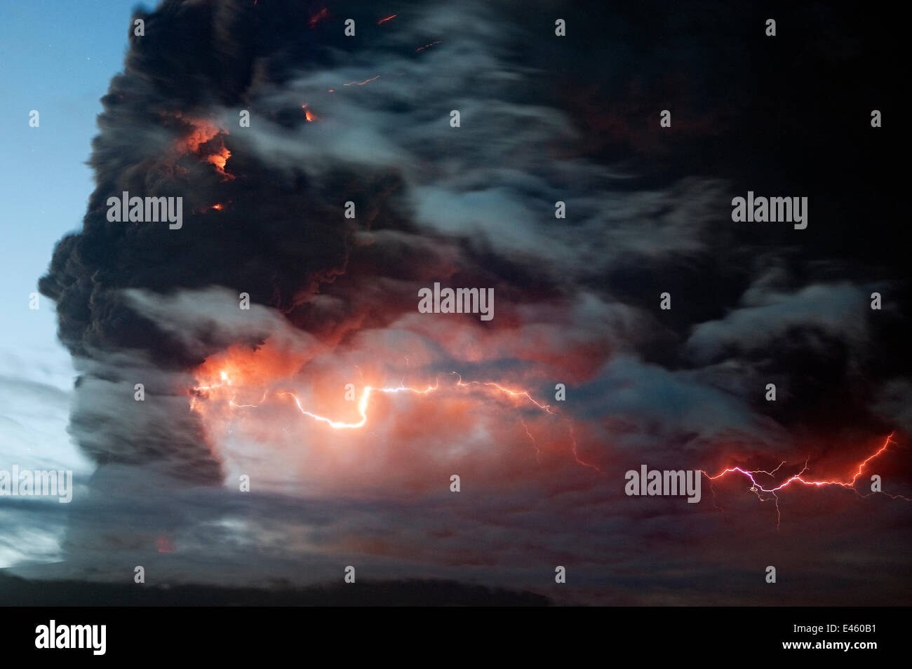 Lightning effects  in the ash plume from the Eyjafjallajokull volcano eruption, Iceland, May 2010 - Stock Image
