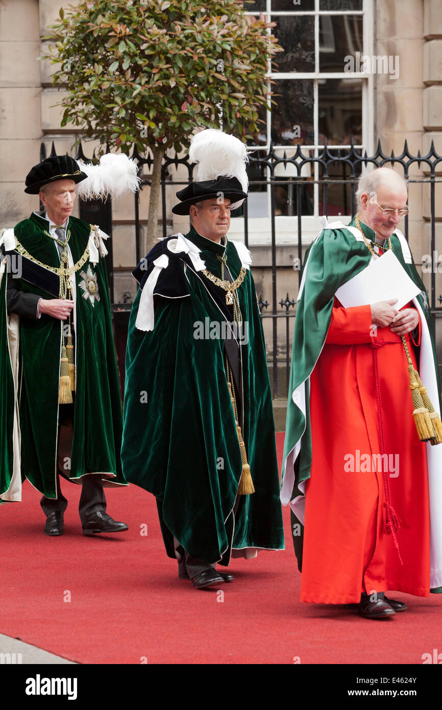 Edinburgh, Scotland, UK. 3rd July, 2014. Lord Smith of Kelvin (centre) and the Earl of Home (left) follow The Very - Stock Image