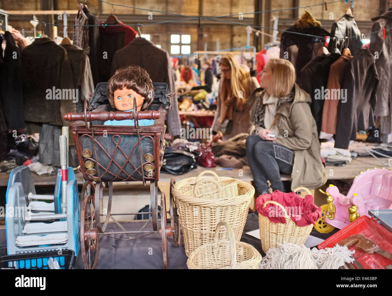 FLEA MARKET NDSM WERF, NORTH AMSTERDAM, NETHERLANDS, HOLLAND - Stock Image