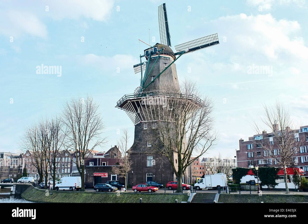 Brouwerij 't IJ AND WINDMILL, Molen De Gooyer, AMSTERDAM - Stock Image