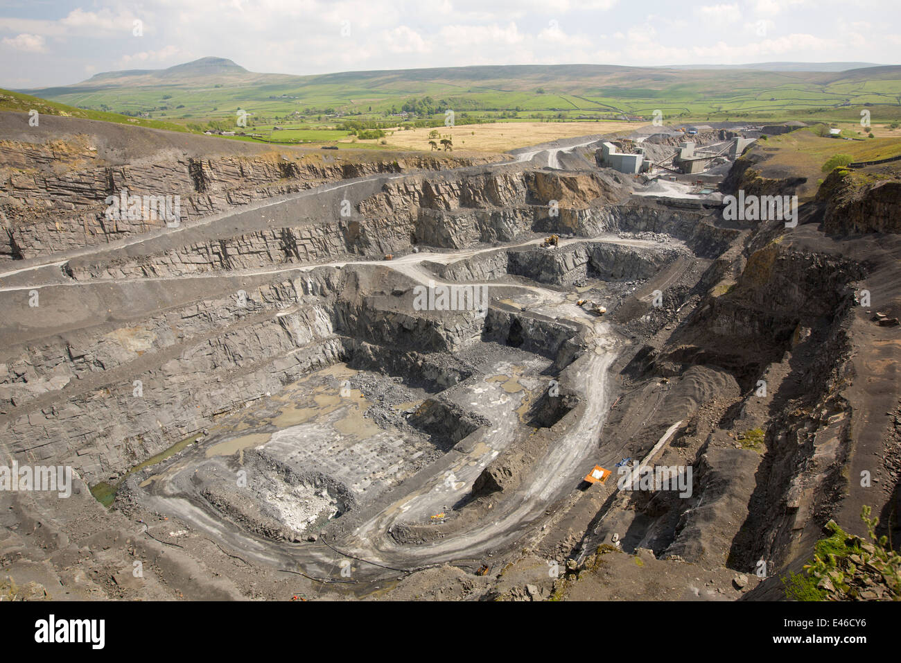 Dry Rigg Quarry at Helwith Bridge in the Yorkshire Dales National Park, UK. - Stock Image
