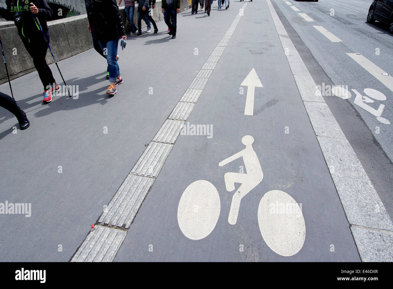 Cycle path, Paris, France - Stock Image