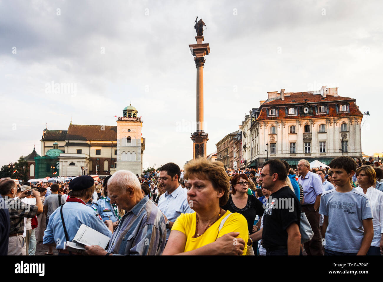 Crowd gathered on Castle square to commemorate the Warsaw Uprising on Warsaw uprising Remembrance Day. Warsaw, Poland. - Stock Image