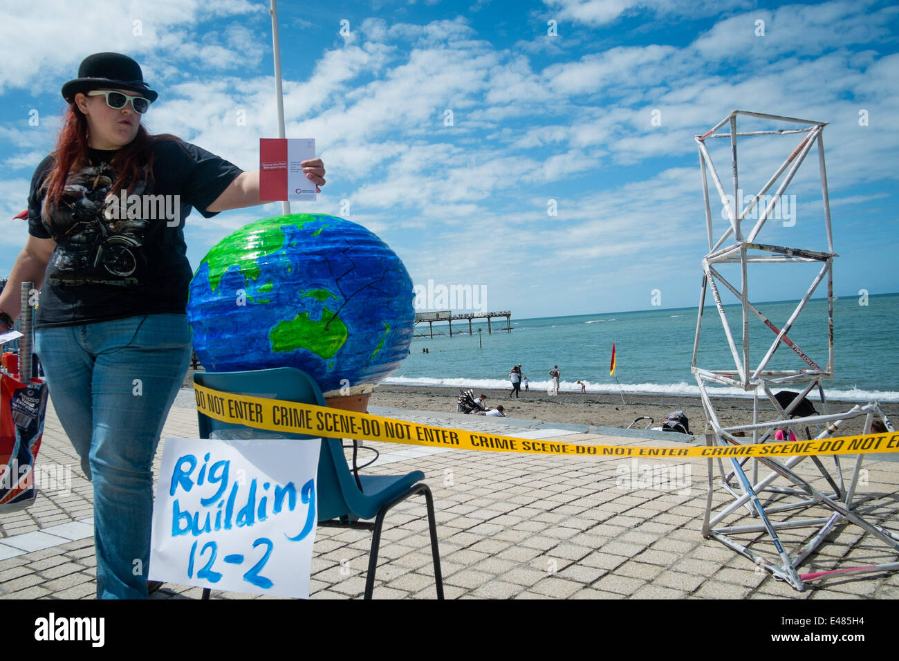 Aberystwyth, Wales, UK. July 5th 2014.  Friends of the Earth Cymru, with the Mid and West Wales Anti-Fracking group - Stock Image