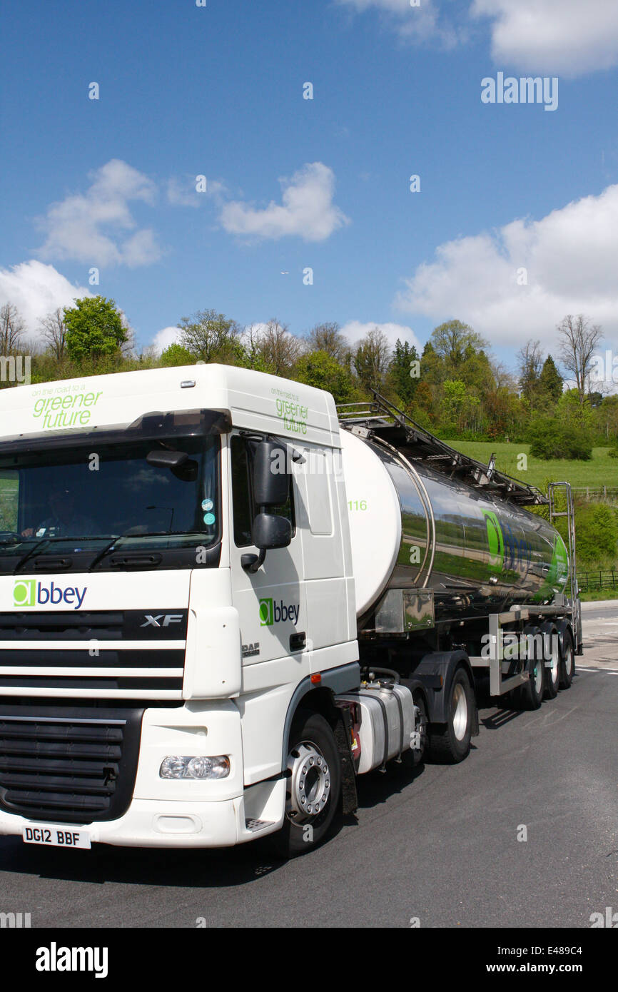 An Abbey articulated tanker entering a roundabout in Surrey, England - Stock Image