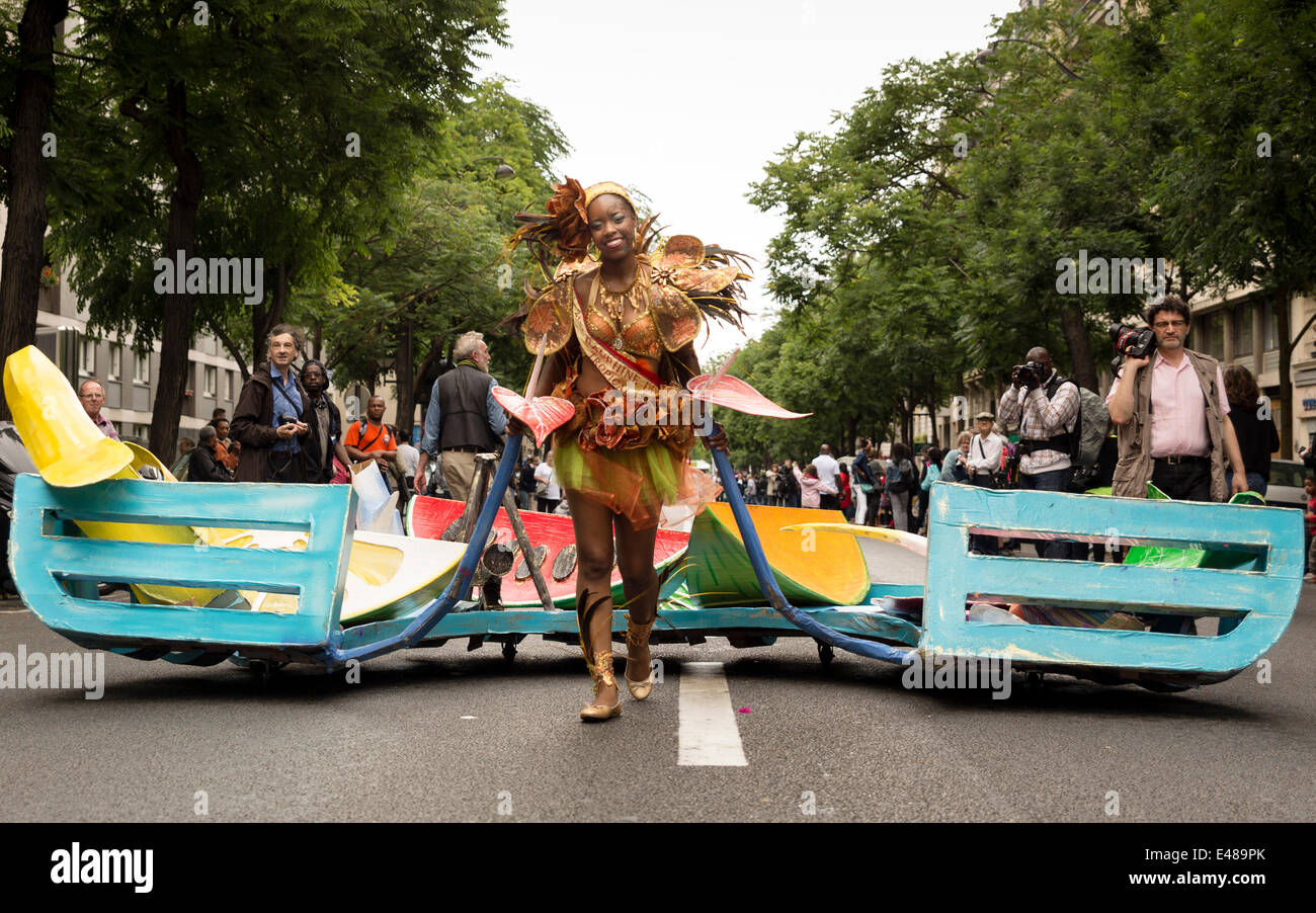 Paris, France. July 5th 2014. Second Dauphine of the Carnaval Tropical attending the parade. For the 13th year the - Stock Image