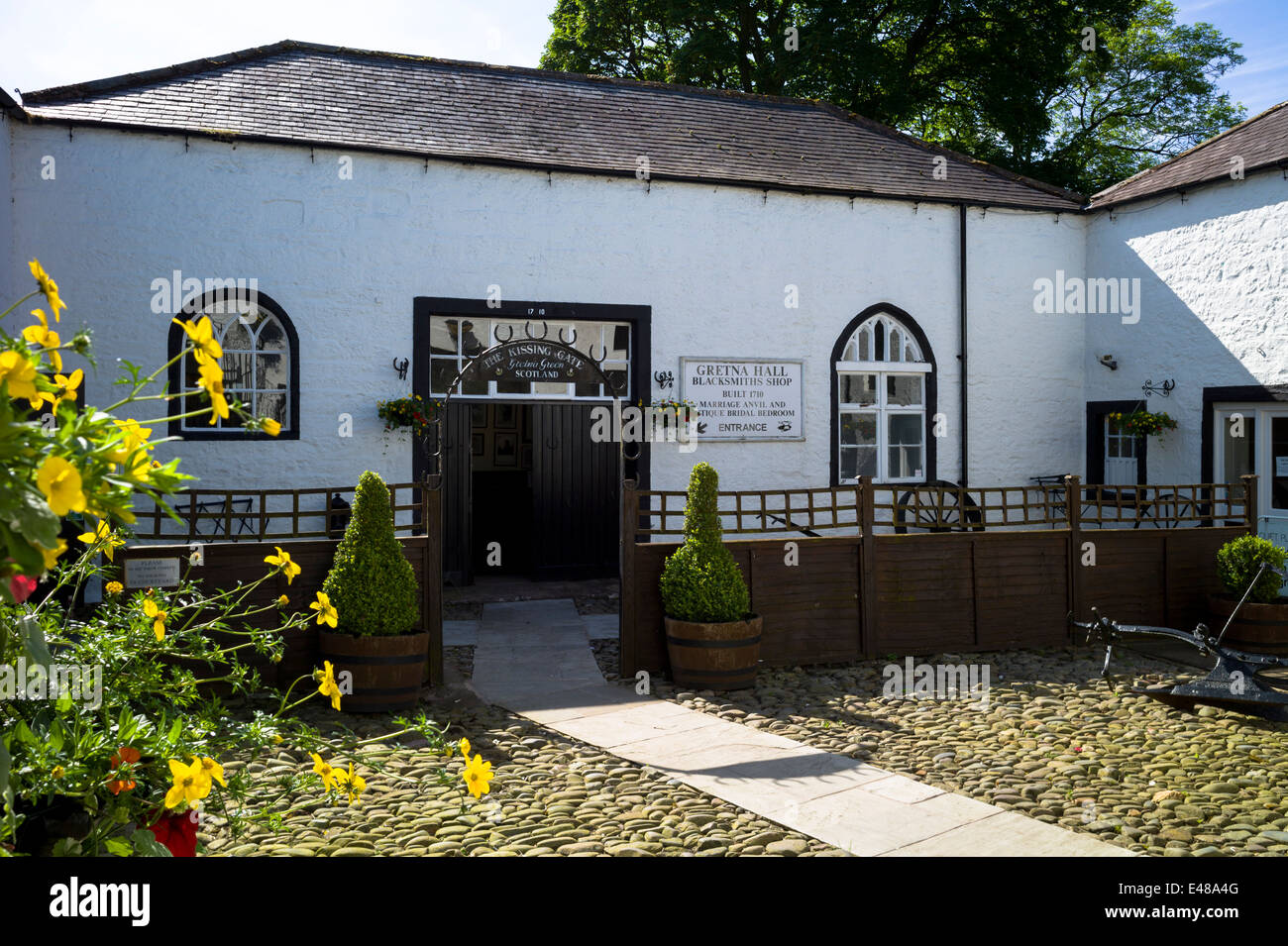 The famous Gretna Green Blacksmith's Shop used for eloping couples and weddings under Scottish licence on the - Stock Image