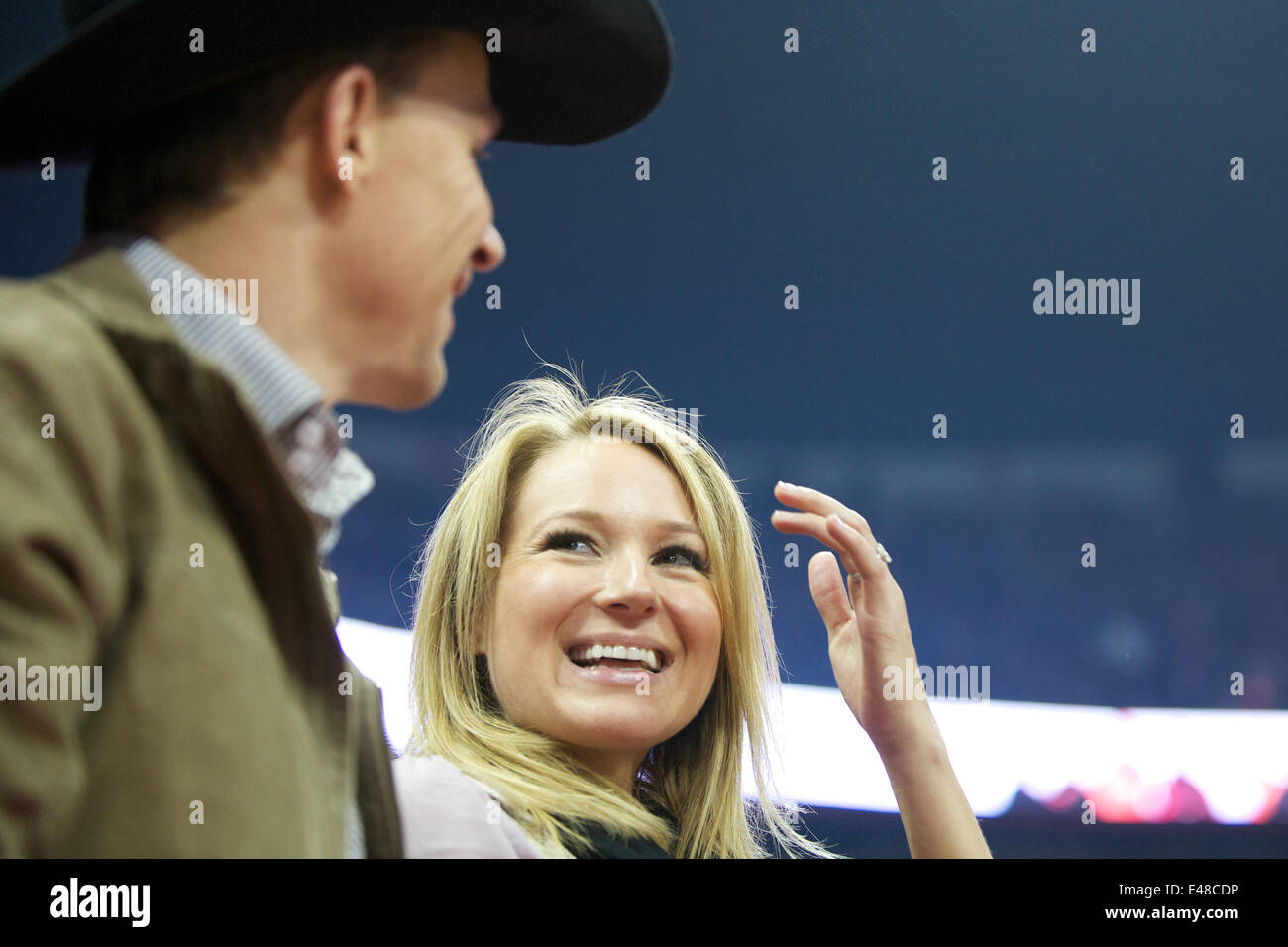July 2, 2014 - Singer JEWEL and her rodeo cowboy husband TY MURRAY are divorcing after 16 years. The 40-year-old Stock Photo