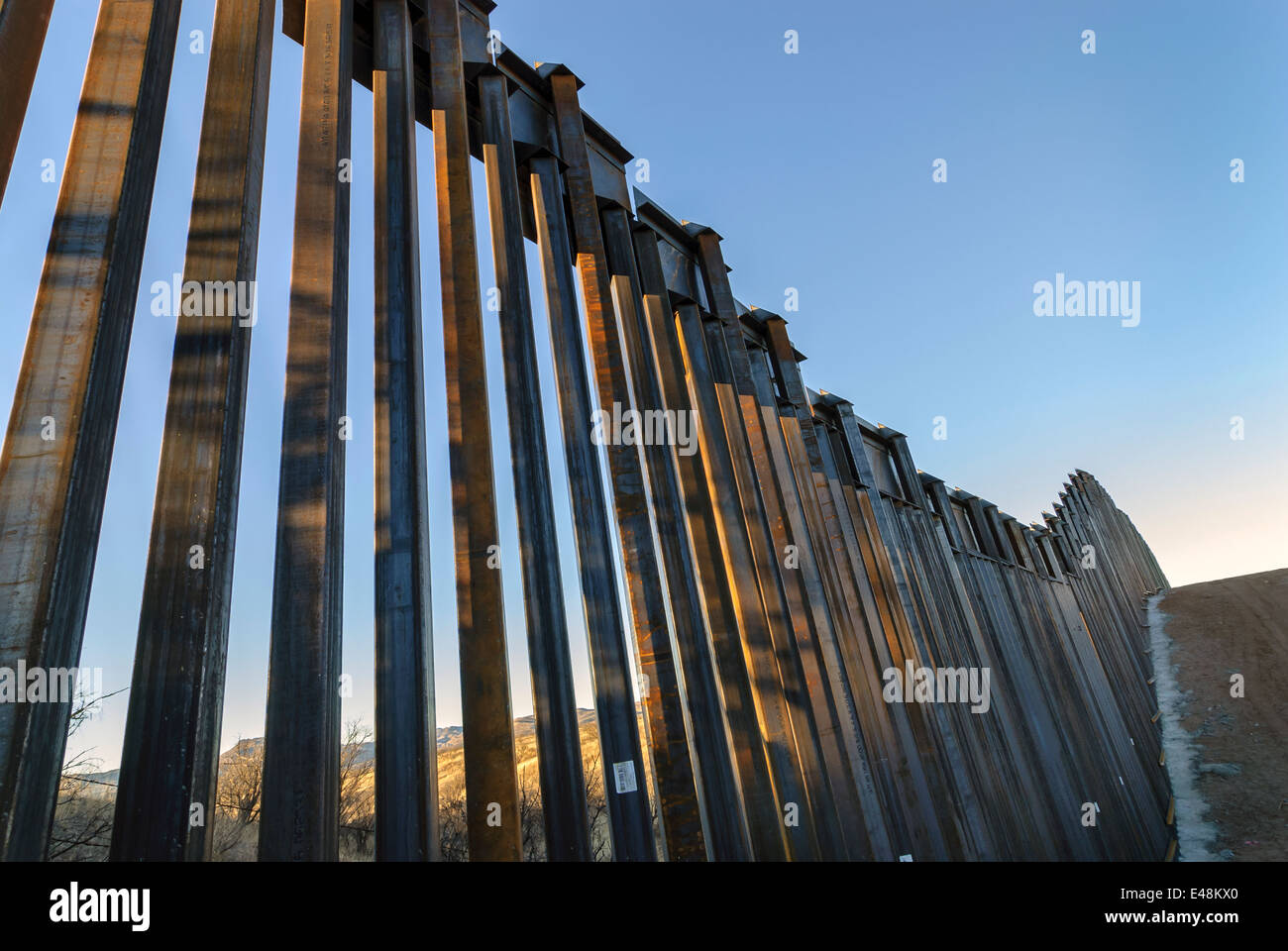 US Border Fence, east of Nogales Arizona USA, constructed autumn and winter of 2008, viewed from US side - Stock Image