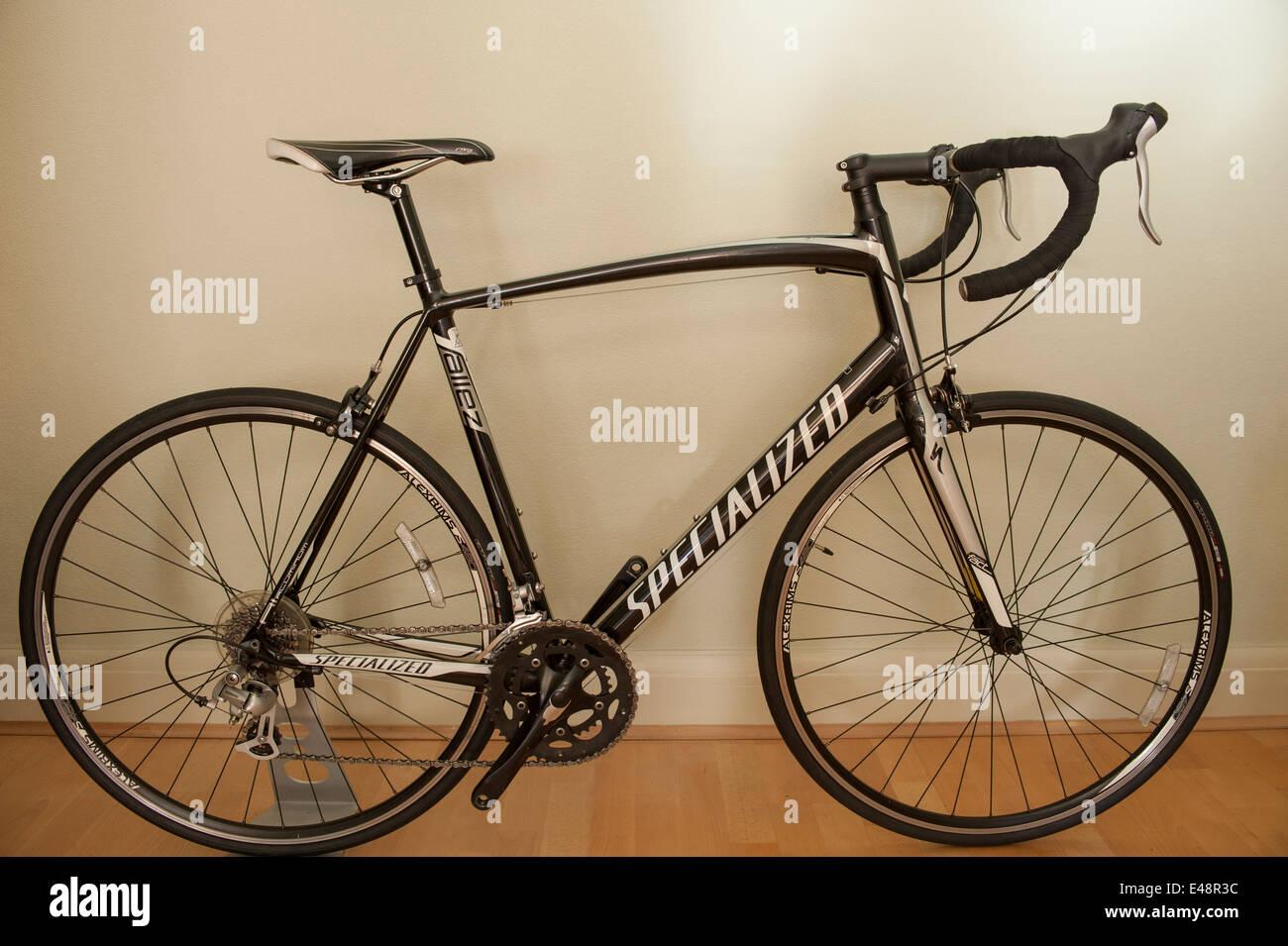Specialized Allez road racing bike Stock Photo: 71493840 - Alamy