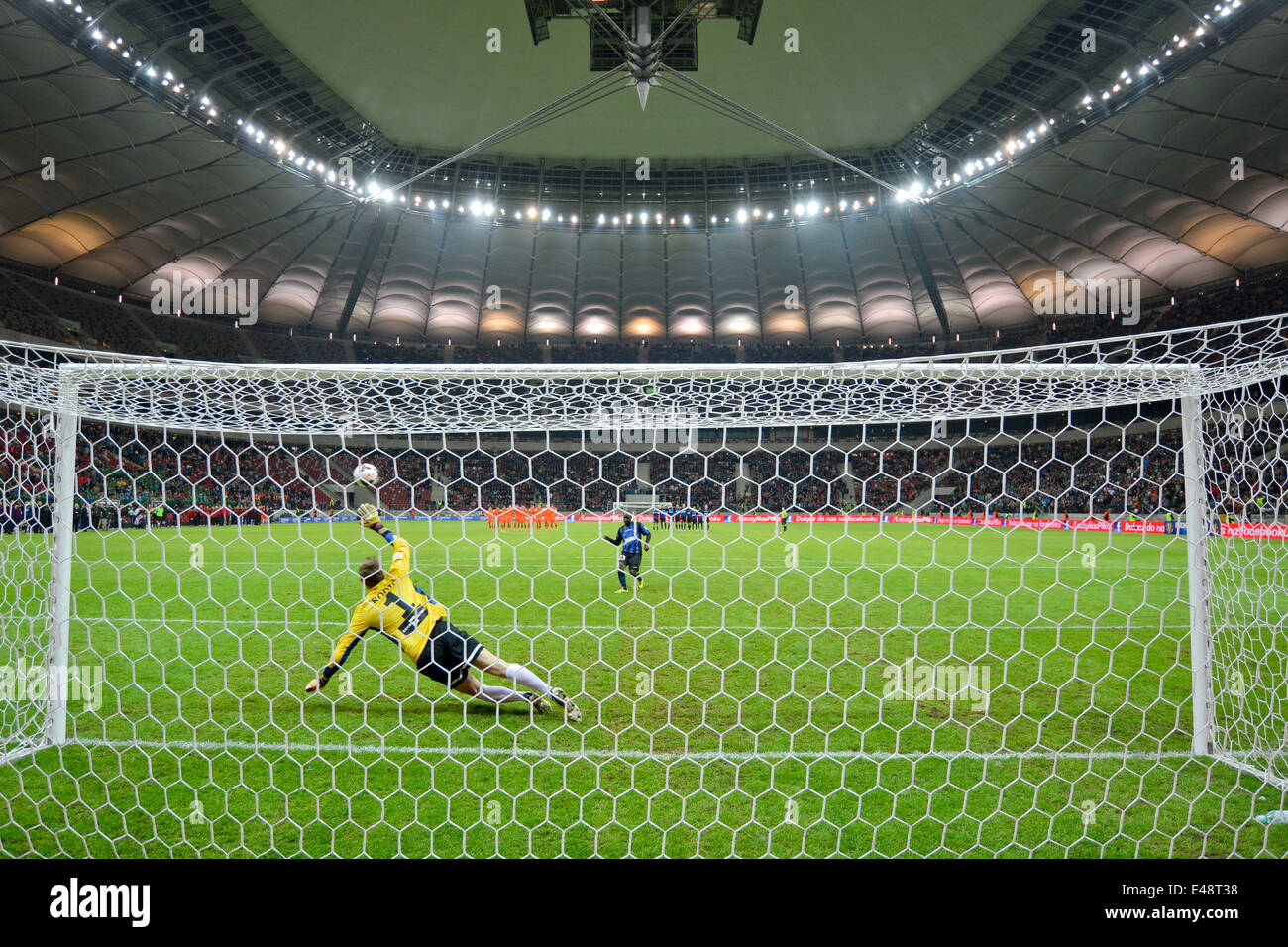 orge Kadu shotting penalty kick to goalkeeper Silvio Rodic during the Polish Cup Final - Stock Image
