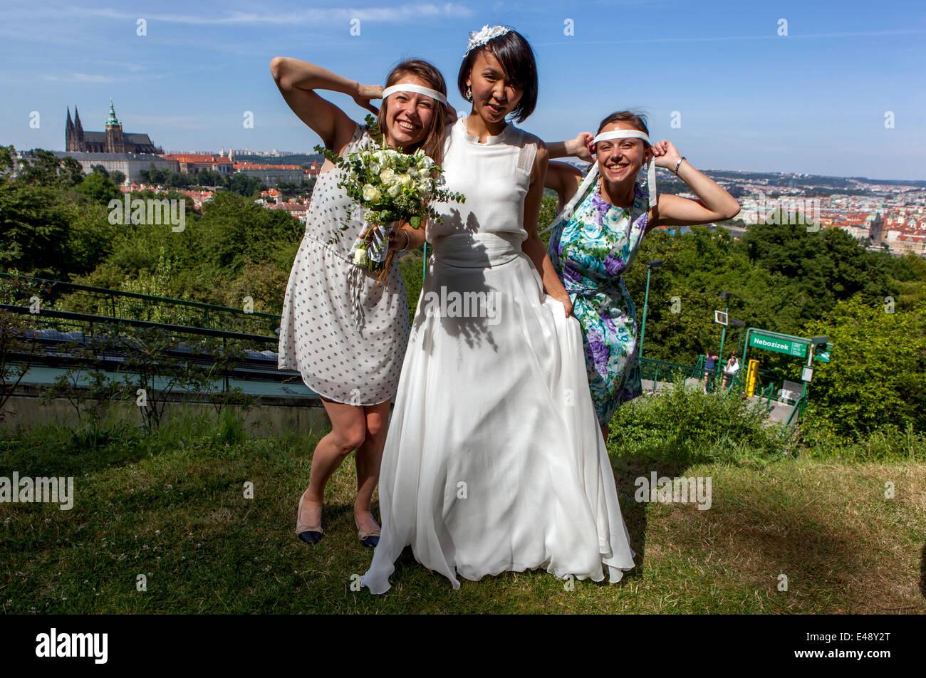 Russian Wedding Stock Photos & Russian Wedding Stock Images - Alamy