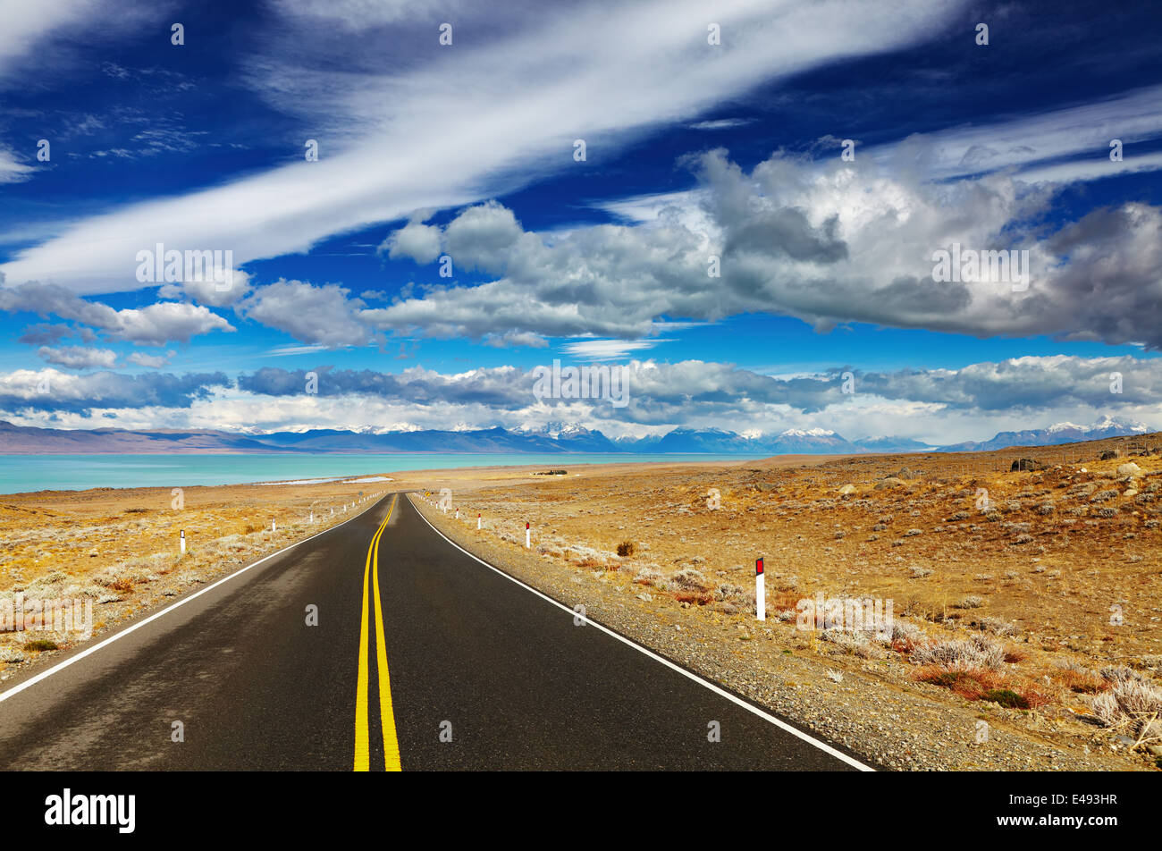 Patagonian landscape with road and Viedma Lake, Argentina - Stock Image