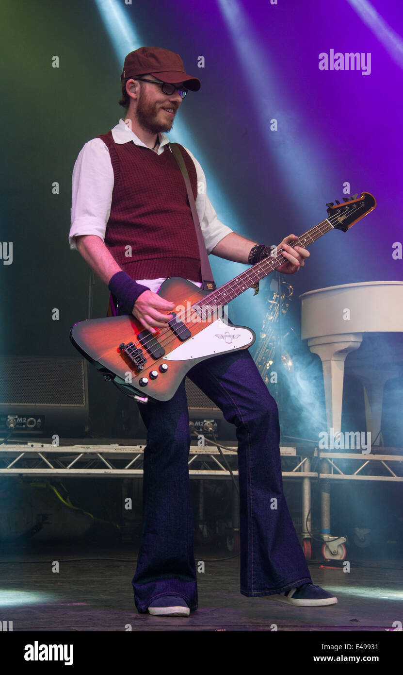 Scouting for Girls at the Cornbury Festival - Greg Churchouse performs. - Stock Image