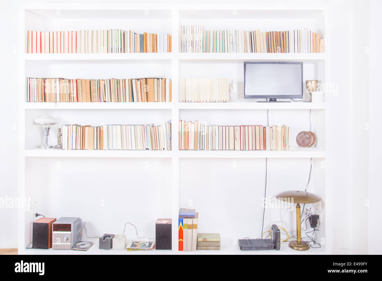Bookshelf Books Living Room Stock Photos & Bookshelf Books Living ...