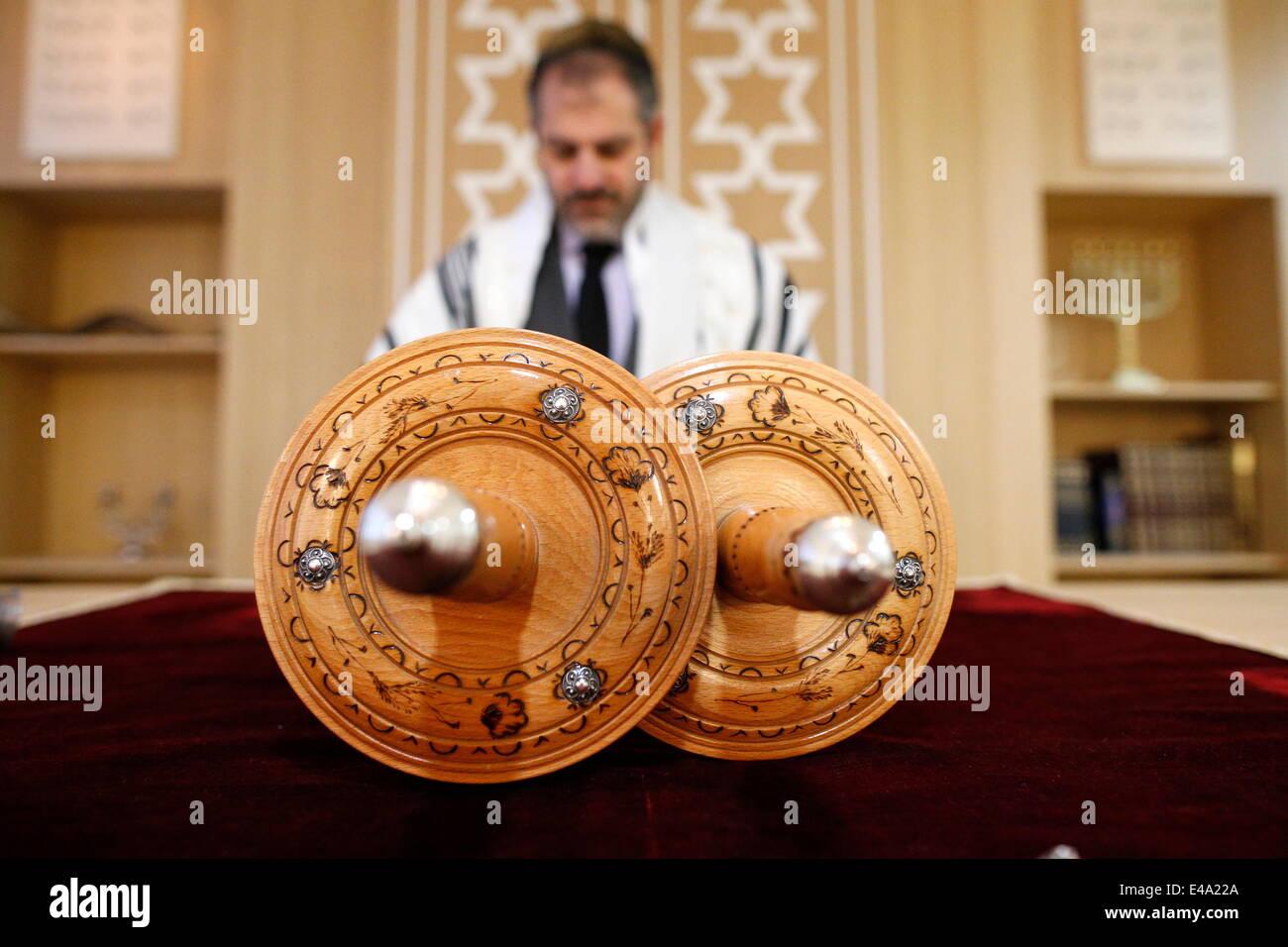 Torah scroll, Beth Yaacov Synagogue, Paris, France, Europe - Stock Image