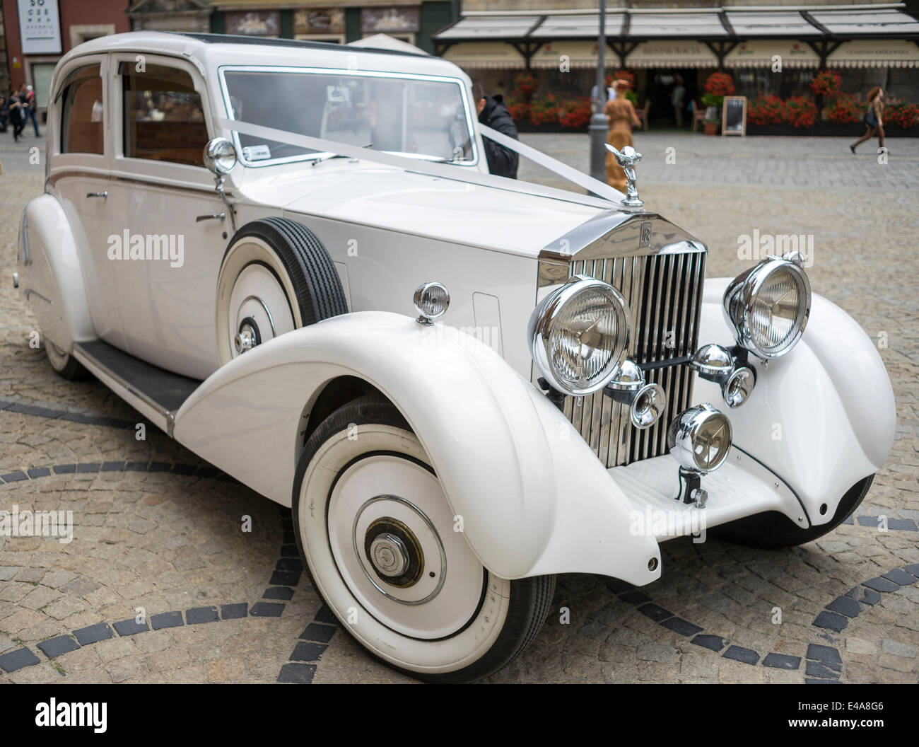 White Rolls Royce 20 25 Luxury Vintage Car Stock Photo Alamy