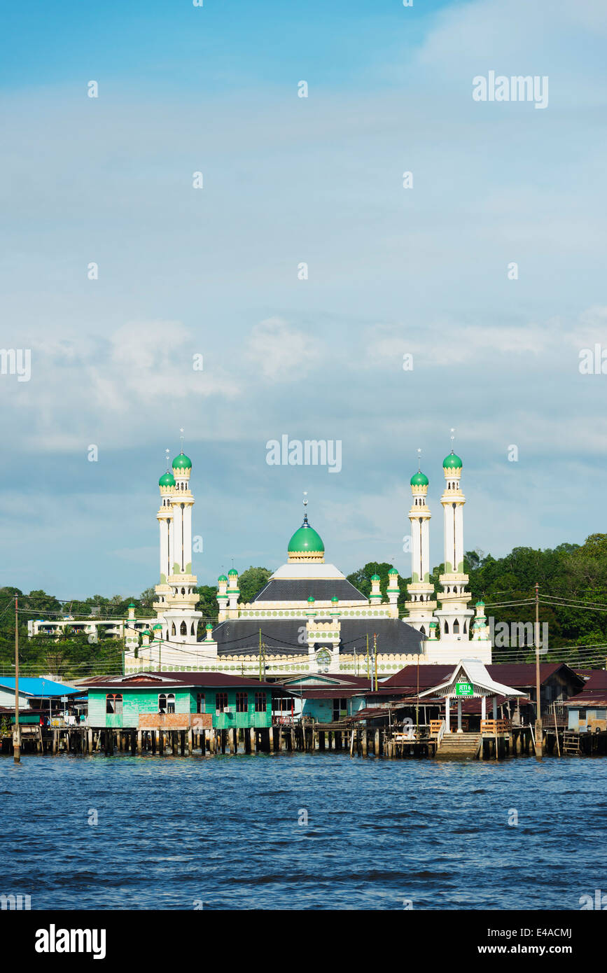 South East Asia, Brunei, Bandar Seri Begawan, Kampung Ayer water villages, Jame Asr Hassanil Bolkiah mosque - Stock Image