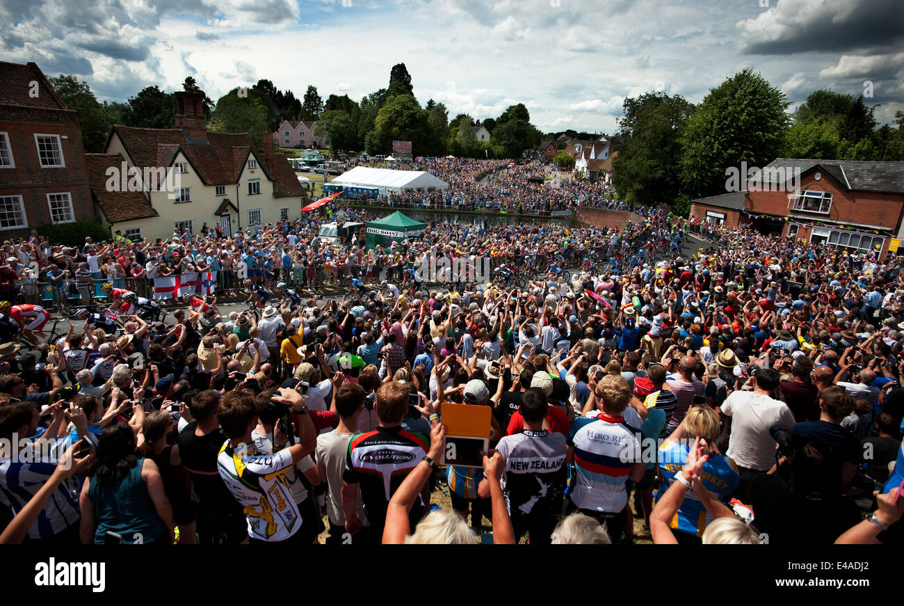 Finchingfield, Essex, UK. 7th July, 2014. Tour de France stage 3 Cambridge to London  The Peloton passing through - Stock Image