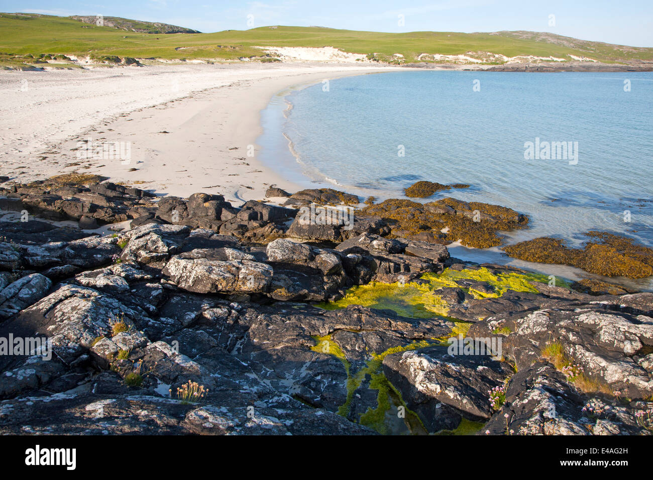 Sandy beach on Vatersay, Isle of Barra, Outer Hebrides, Scotland - Stock Image